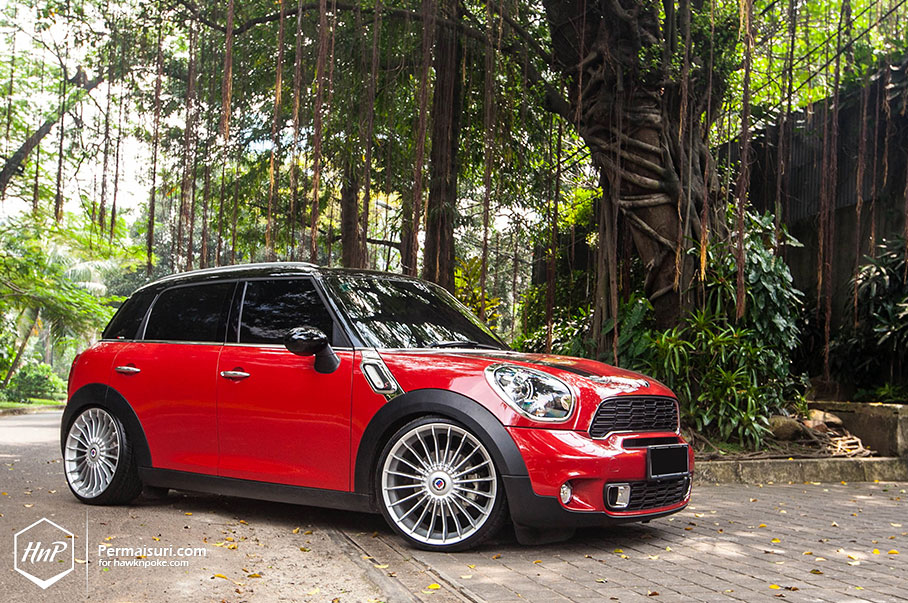 mini countryman jumps on alpina wheels in indonesia. Black Bedroom Furniture Sets. Home Design Ideas