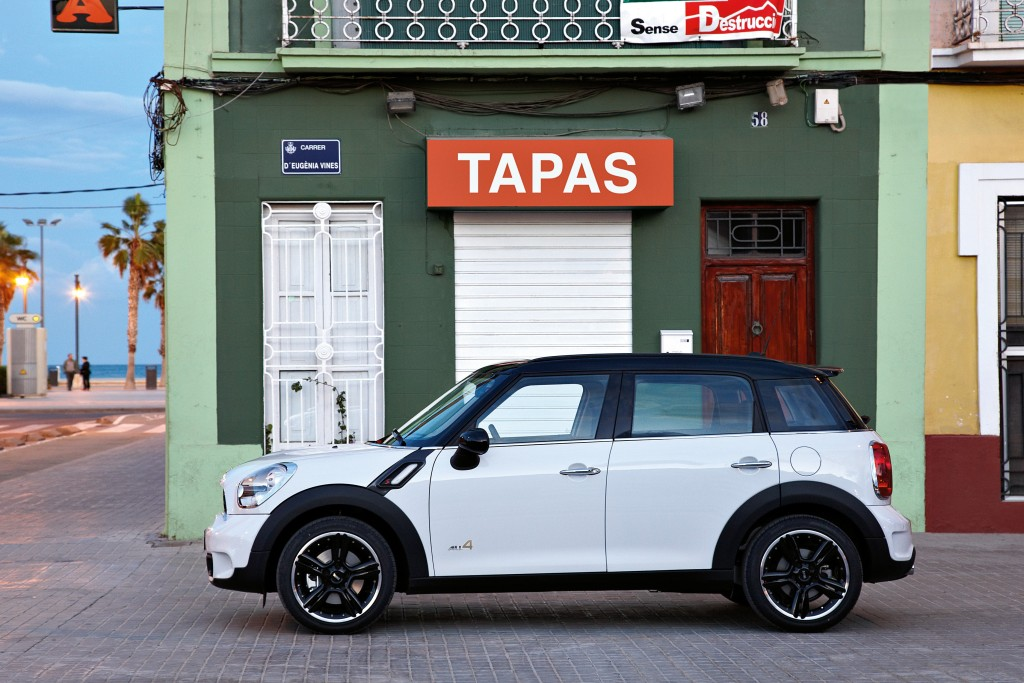 Mini Countryman Official Details And Photos Released Autoevolution