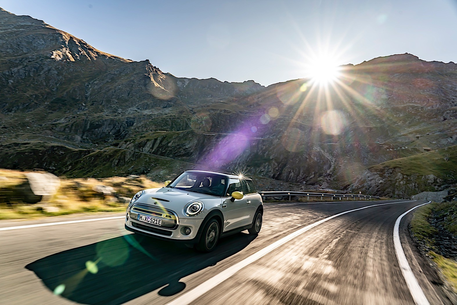 Mini Cooper SE Has A Very Attractive Price Tag
