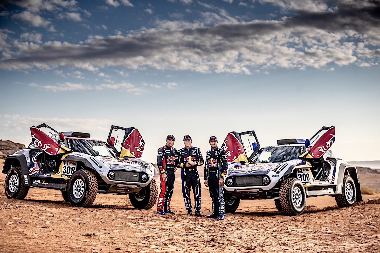 mini john cooper works buggies get ready for dakar with former peugeot champions autoevolution. Black Bedroom Furniture Sets. Home Design Ideas