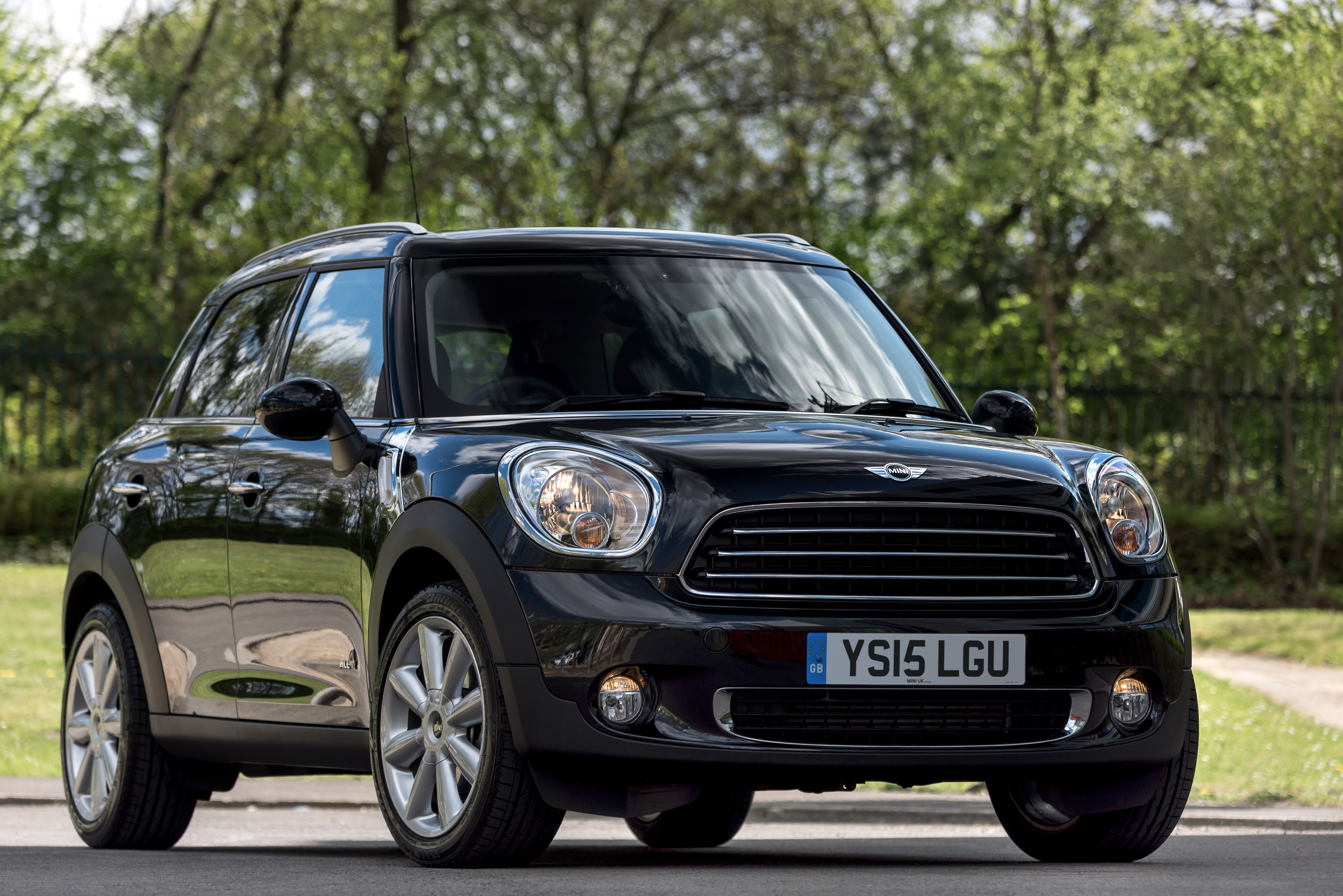 mini launches countryman cooper d all4 business edition. Black Bedroom Furniture Sets. Home Design Ideas