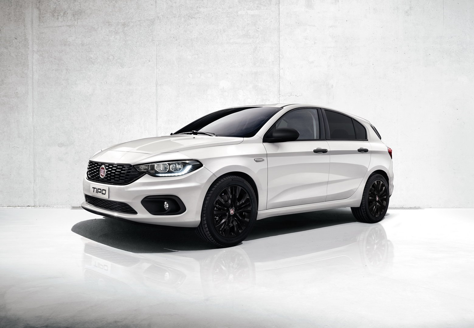 How To Break A Car Window >> Mirror, Street Versions Added To 2019 Fiat Tipo Lineup In Europe - autoevolution