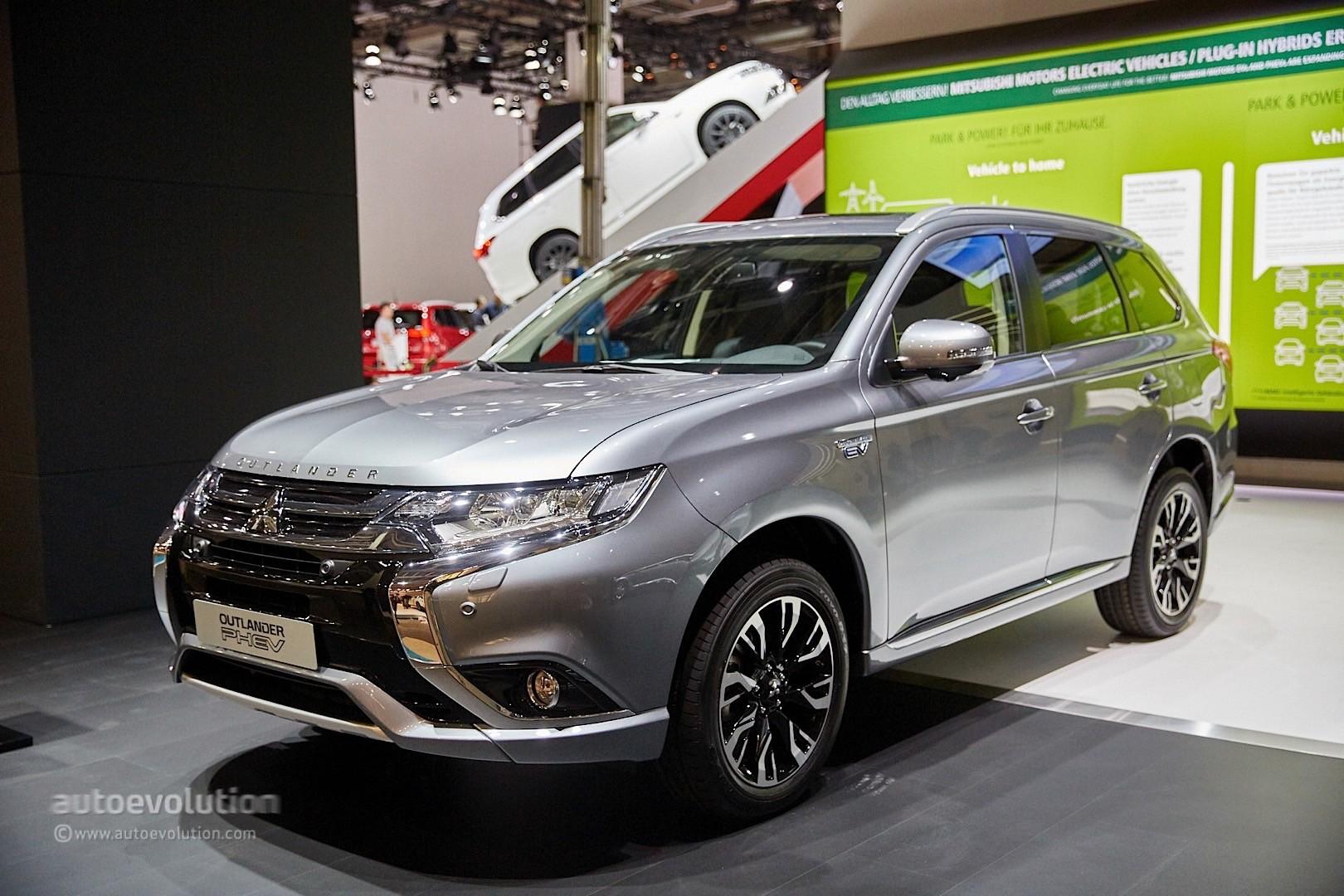2015 Mitsubishi Outlander Sport >> Mitsubishi Outlander PHEV Facelift Revealed at Frankfurt, Gets Rally Version - autoevolution