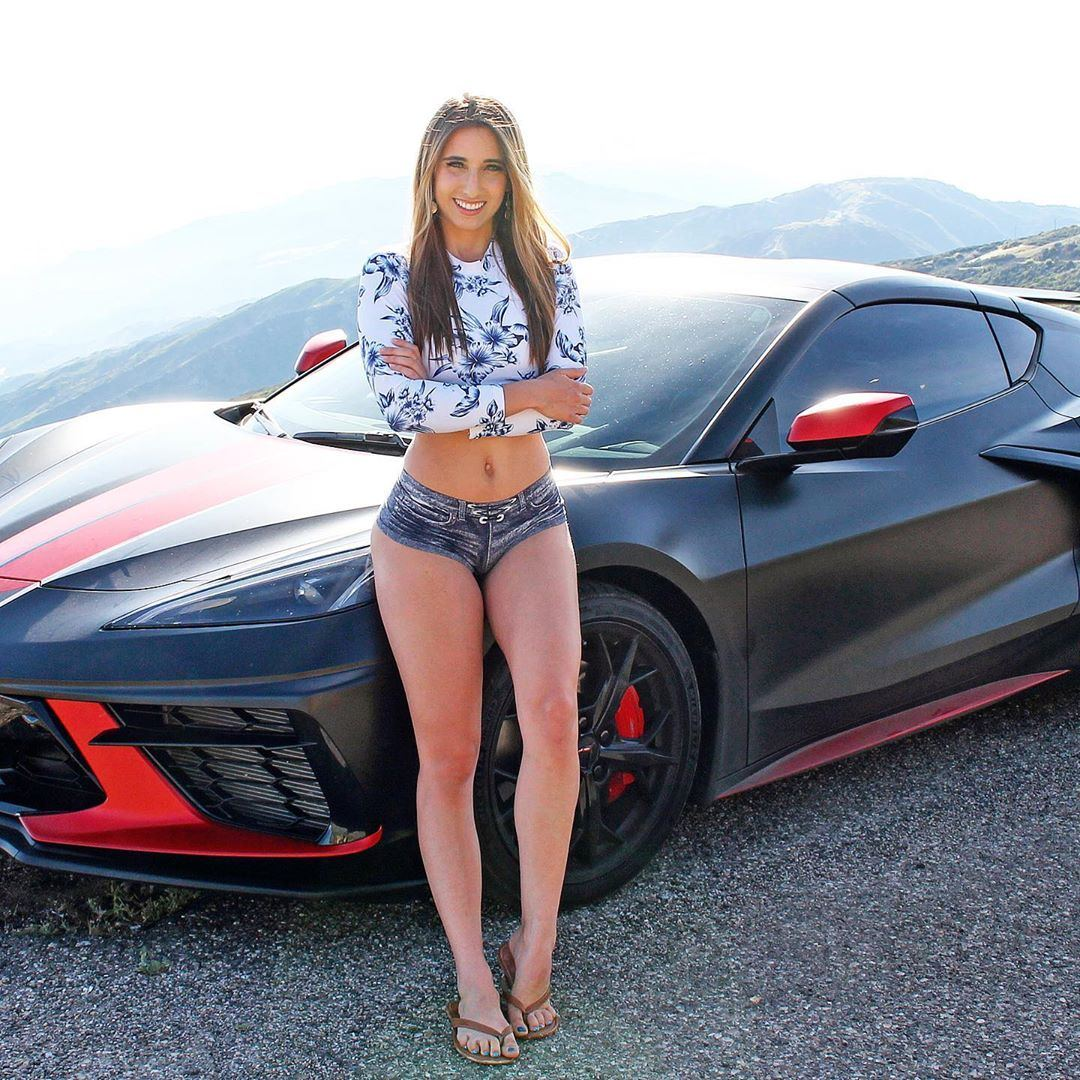 Model Gets C8 Corvette Wrapped, Washes It Herself