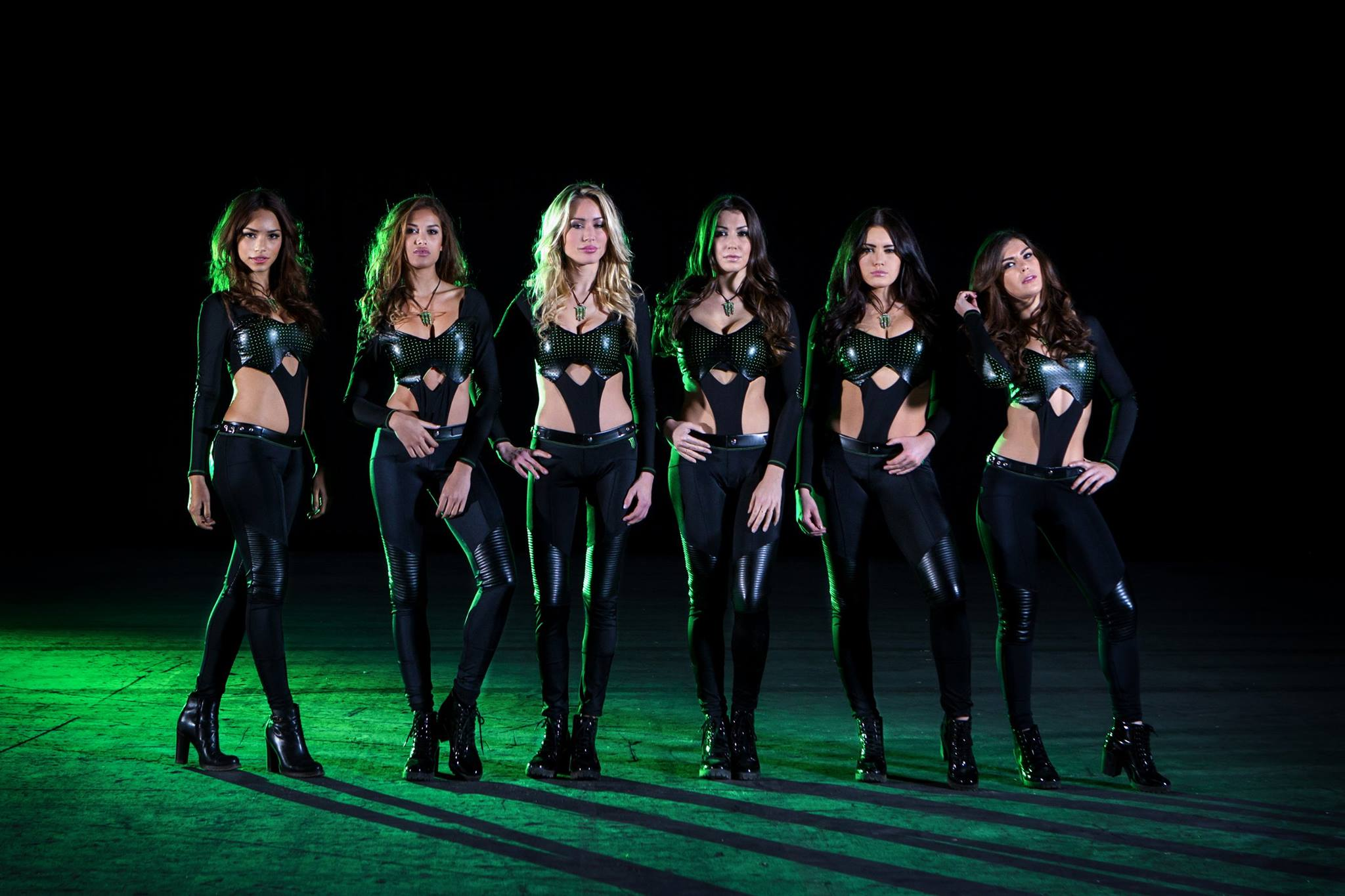 Dc Shoes Sponsors Monster Energy Supercross For 2011