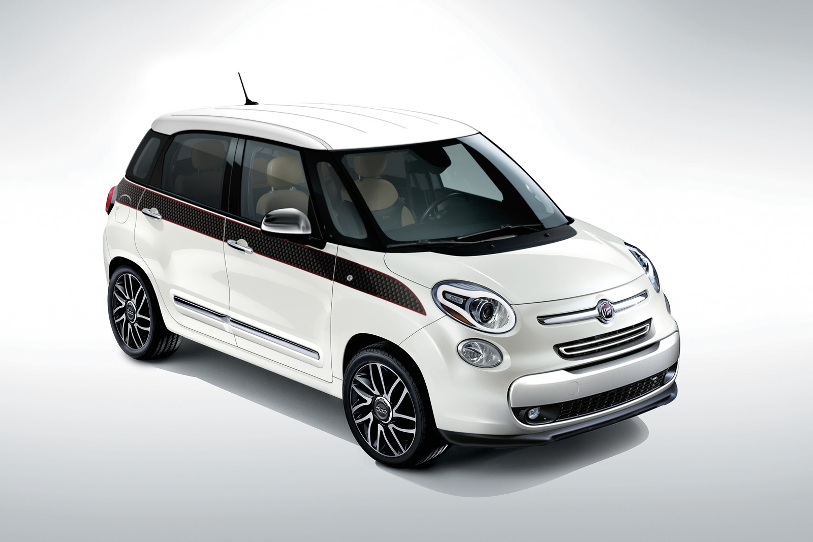 mopar launches 100 accessories for the all new fiat 500l. Black Bedroom Furniture Sets. Home Design Ideas