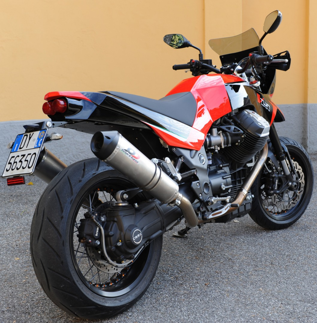 moto guzzi griso custom motard by ghezzi brian video autoevolution. Black Bedroom Furniture Sets. Home Design Ideas