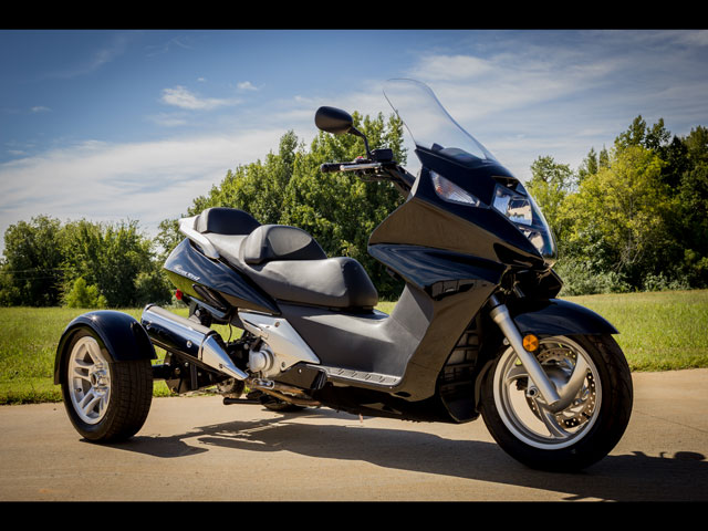 Auto Driving Car >> Motor Trike Honda Silverwing Trike Kit Available ...