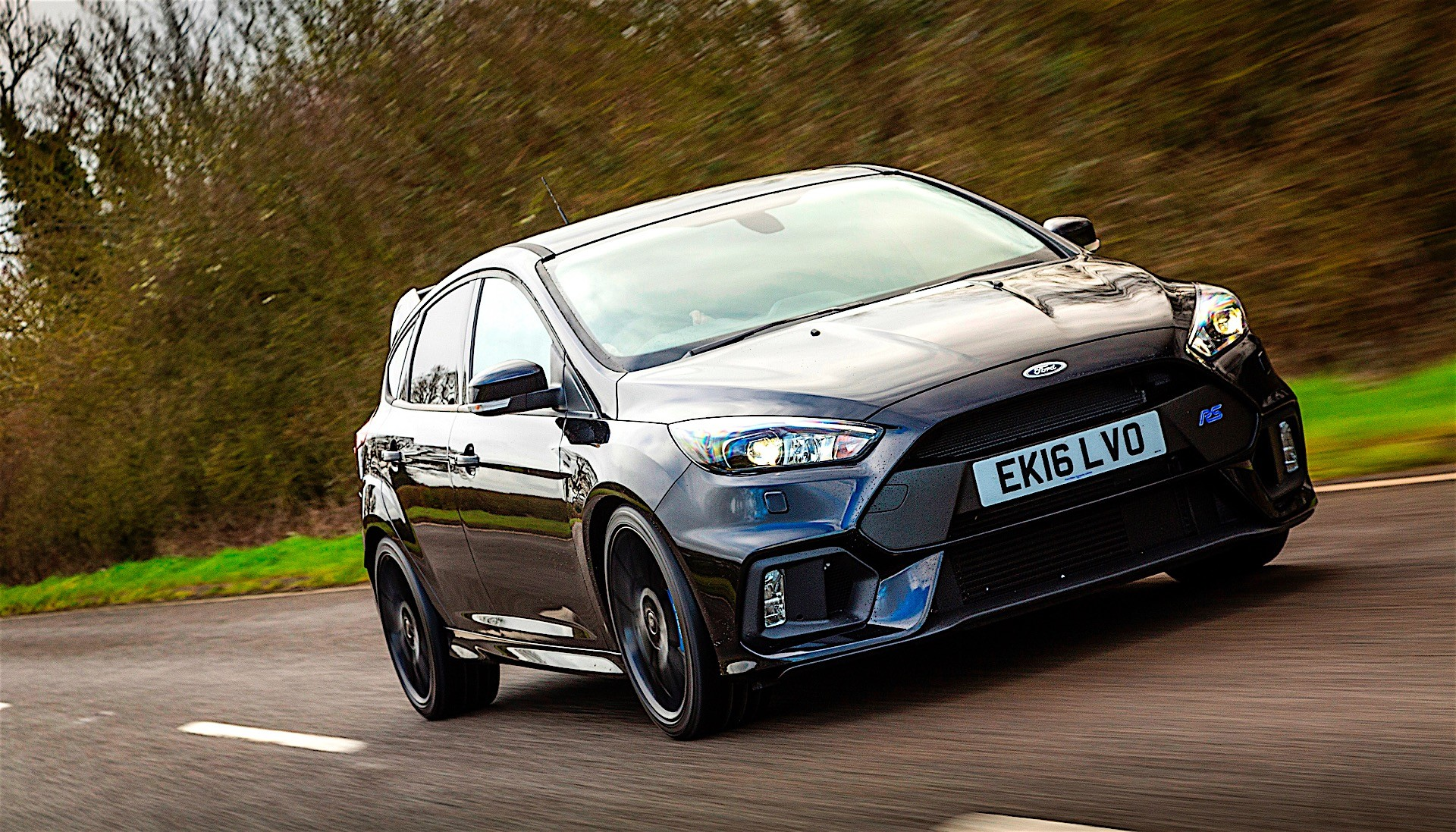 Mountune M Upgrade Turns Ford Focus Rs Into An Uber Hatchback on 10 Liter Engine