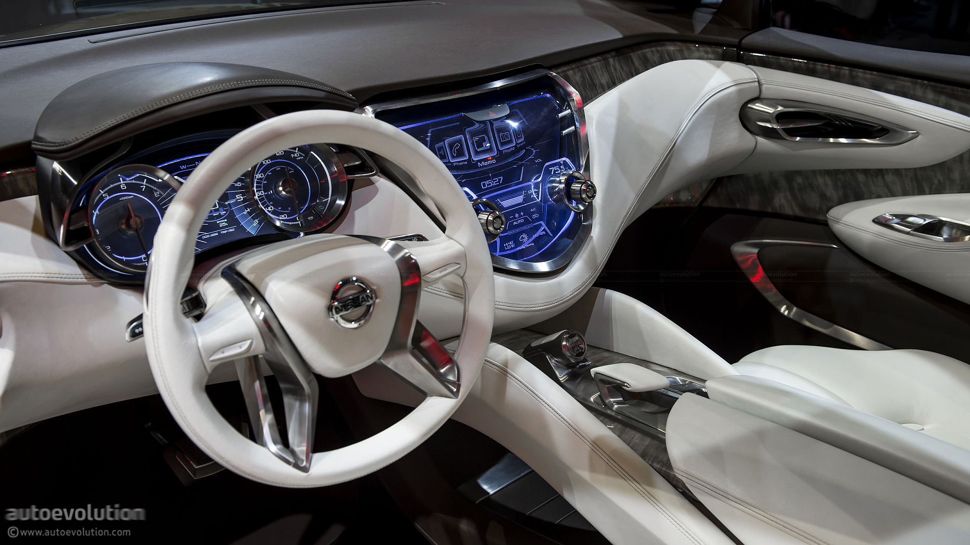2013 NAIAS: Nissan Resonance Crossover Concept [Live ...