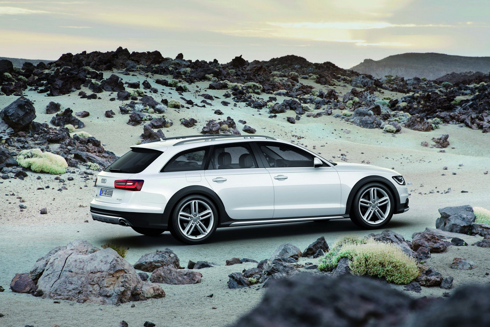 new 2013 audi a6 allroad unveiled autoevolution. Black Bedroom Furniture Sets. Home Design Ideas