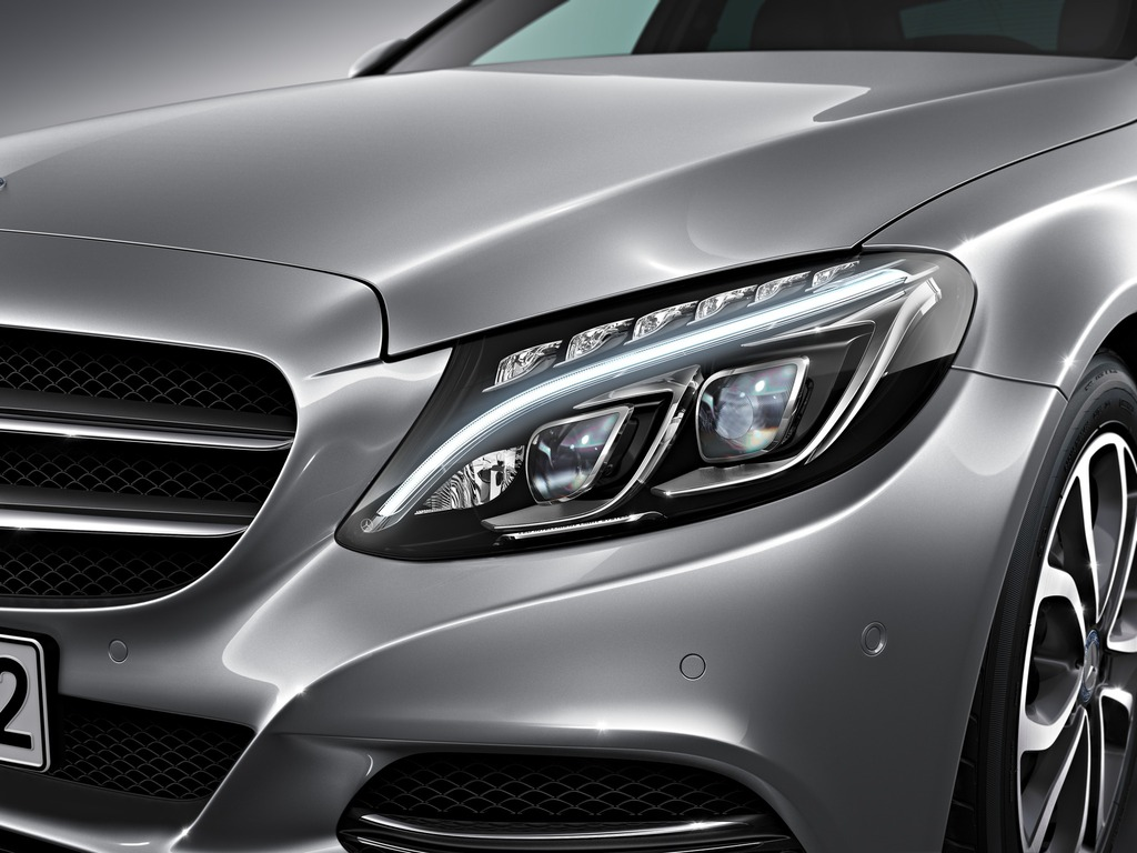(W205): Tipos de faróis New-2015-c-class-w205-has-three-different-headlights-photo-gallery_5