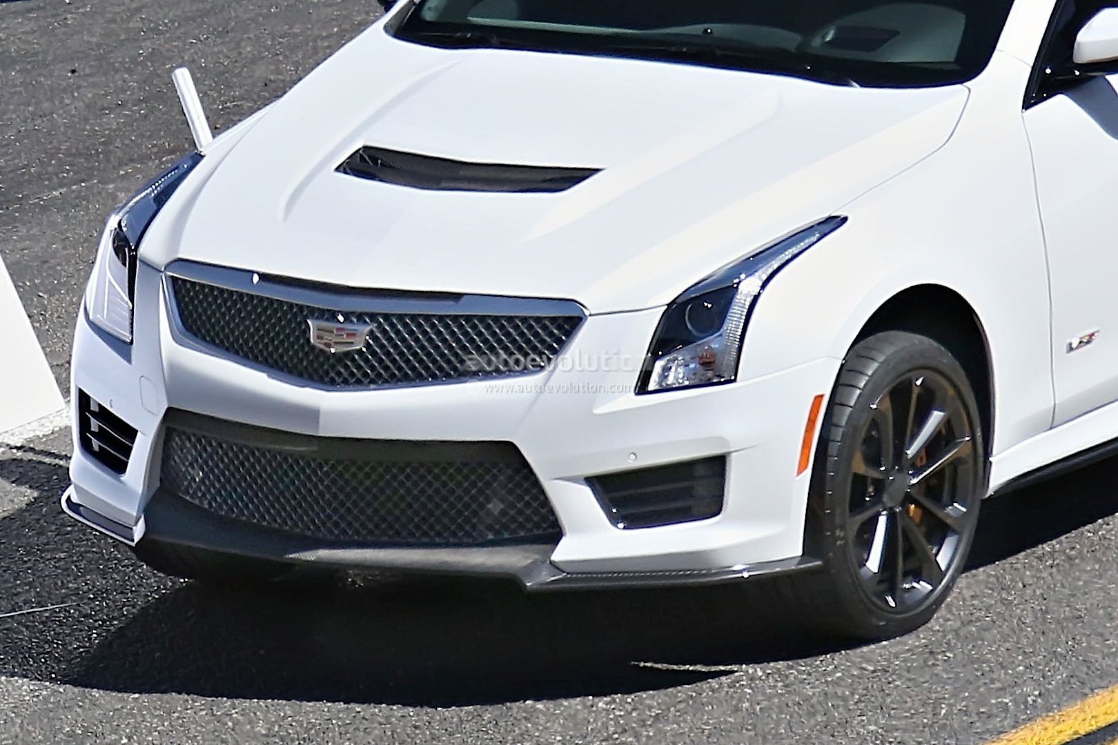 new 2015 cadillac ats v spied uncamouflaged in coupe format autoevolution. Black Bedroom Furniture Sets. Home Design Ideas