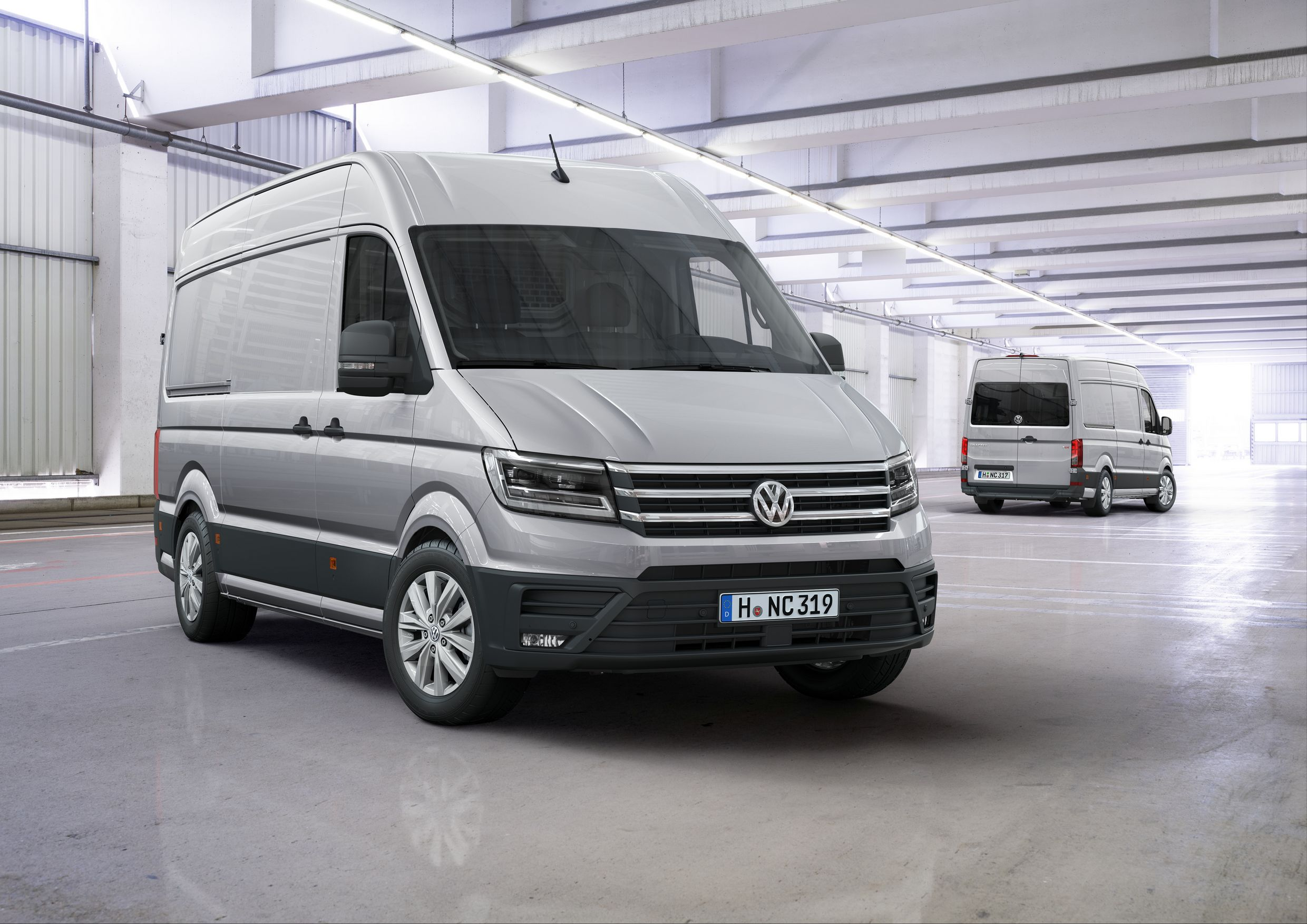 ... volkswagen-crafter-debuts-with-fwd-option-and-class-leading-features_1