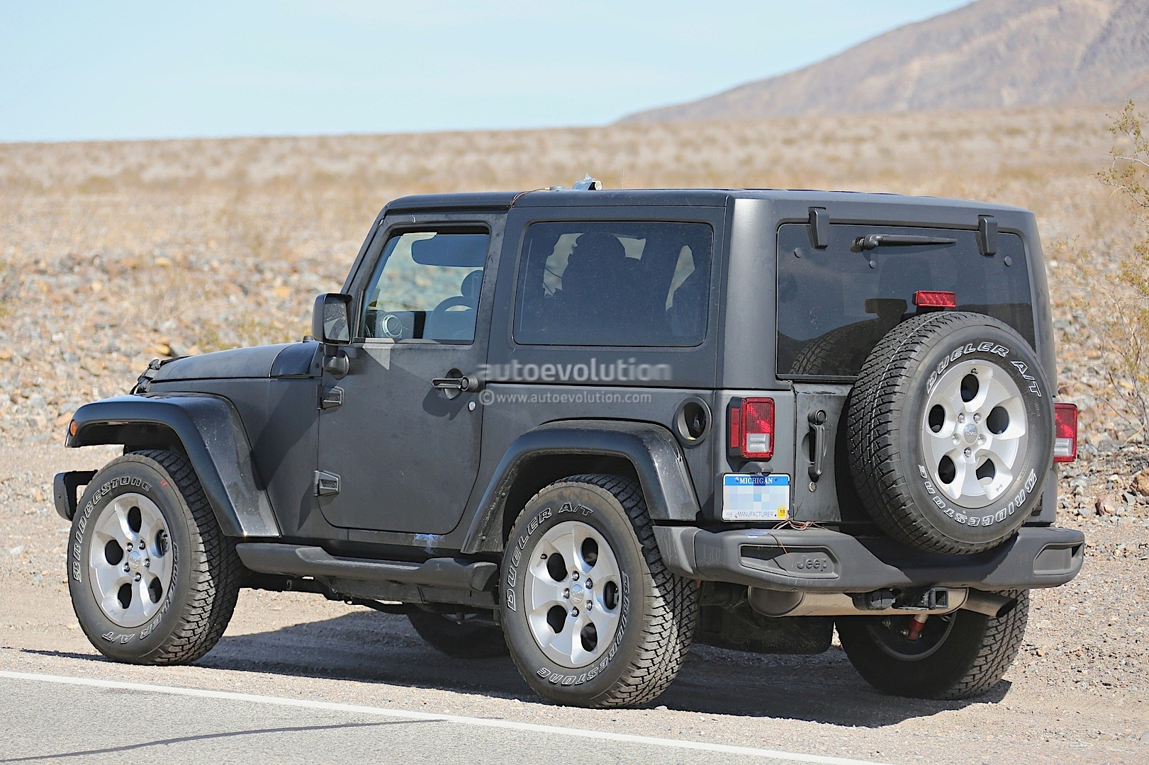 new 2018 jeep wrangler spied testing in the desert will. Black Bedroom Furniture Sets. Home Design Ideas
