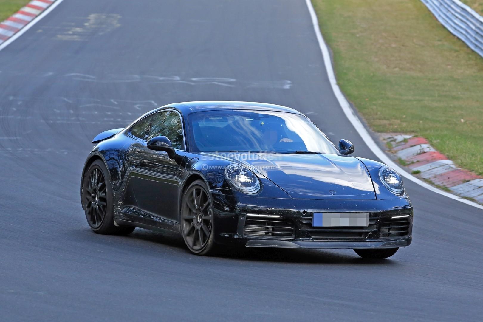 2018 - [Porsche] 911 - Page 3 New-2019-porsche-911-makes-nurburgring-debut-prototype-has-mysterios-fuel-door_3