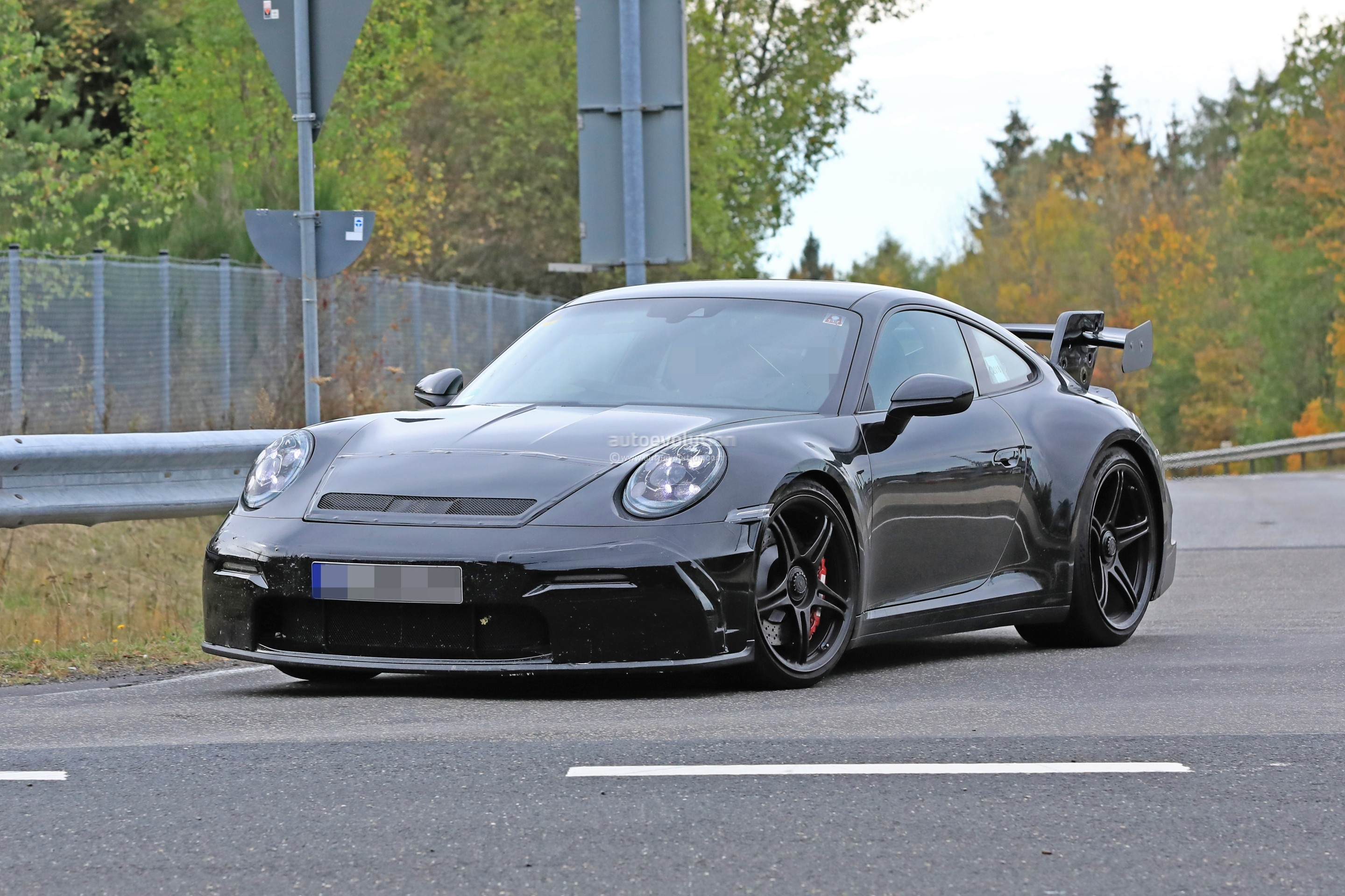 new-2020-p​orsche-911​-gt3-proto​type-shows​-productio​n-design_5