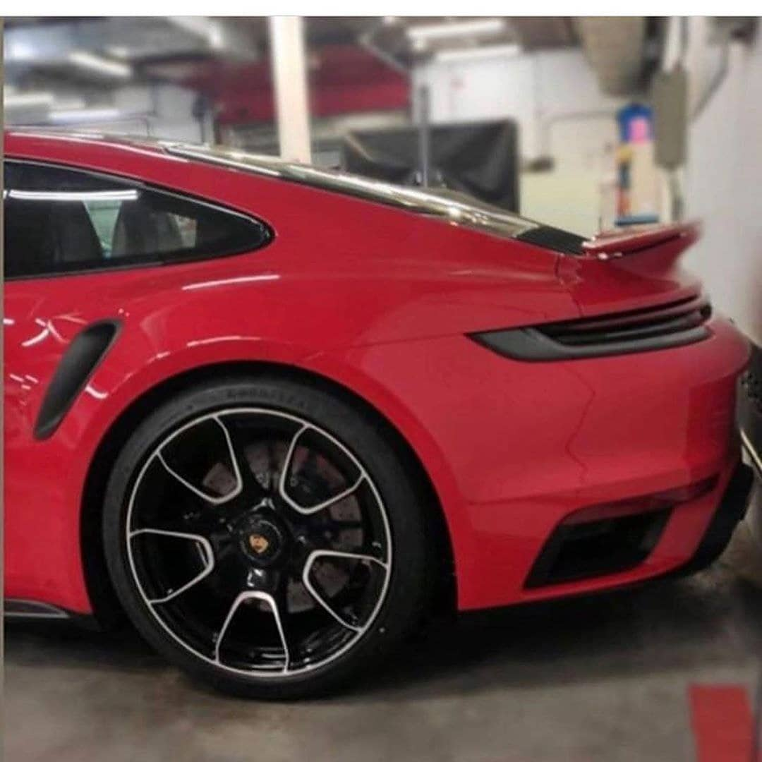 New 2021 Porsche 911 Turbo S Spotted At Factory Looks Amazing In Gt Silver Autoevolution