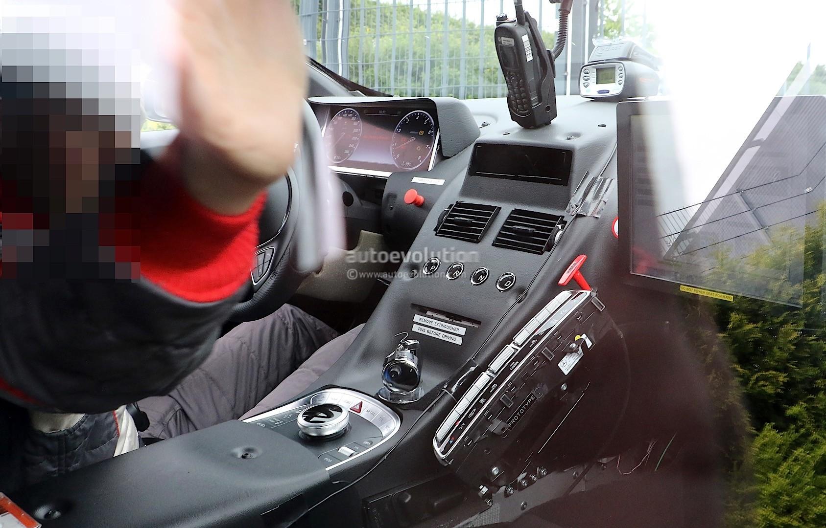 2016 - [Aston Martin] DB11 New-aston-martin-db11-prototype-looks-like-a-work-in-progress-photo-gallery_1