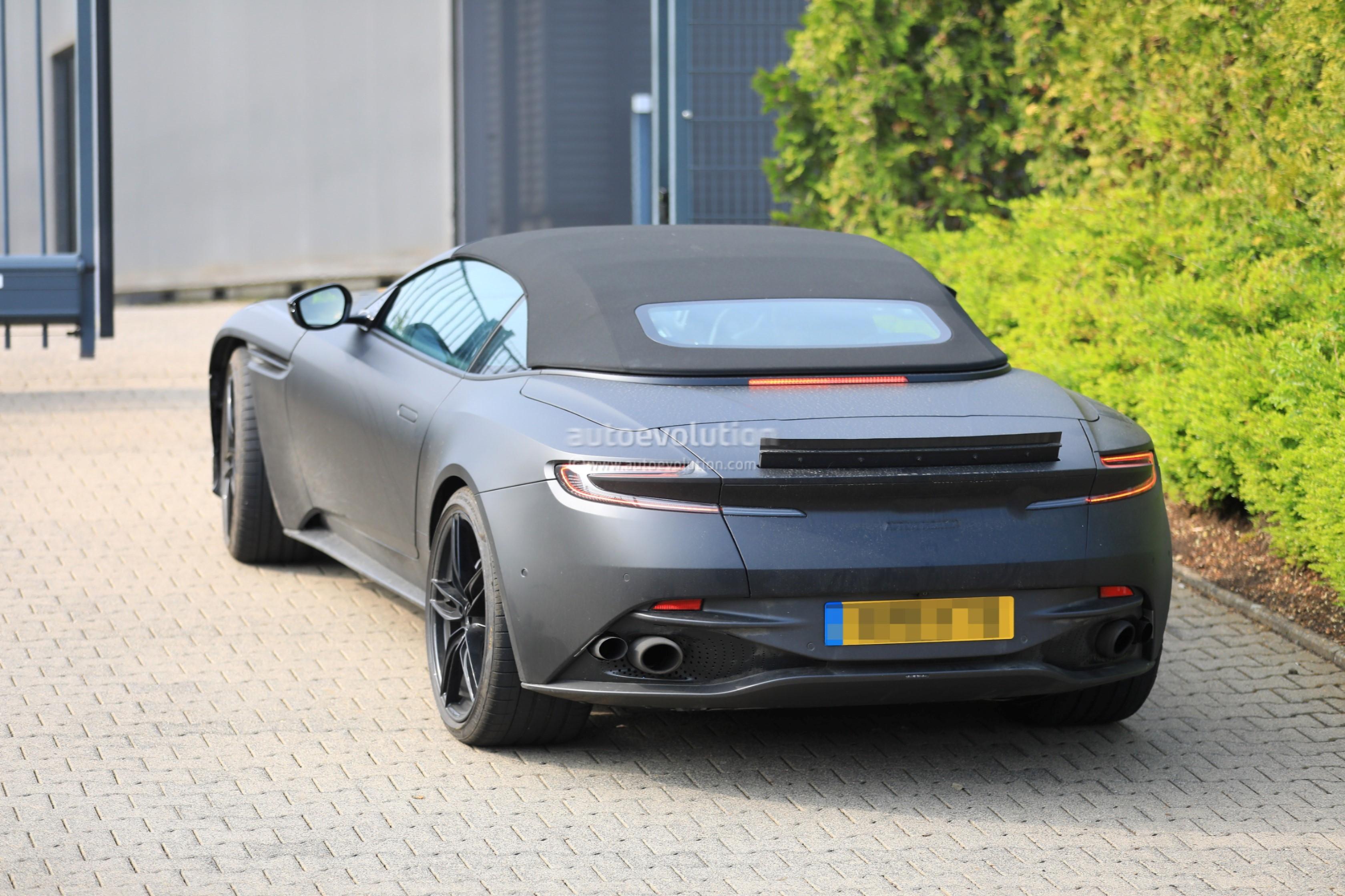 New Aston Martin Dbs Superleggera Spied In Volante Flavor Autoevolution