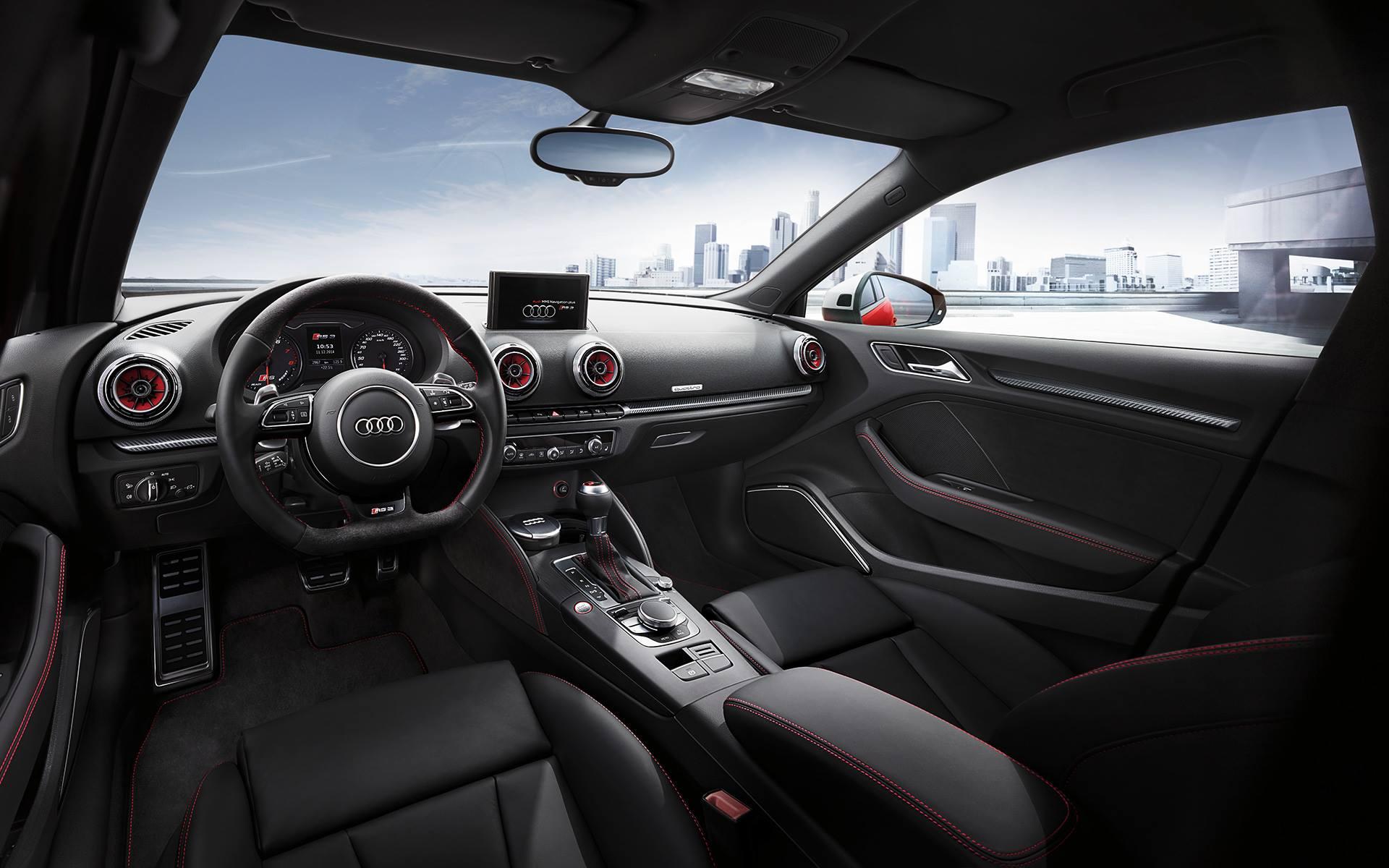 Фото салона Audi RS3 Sportback 2015