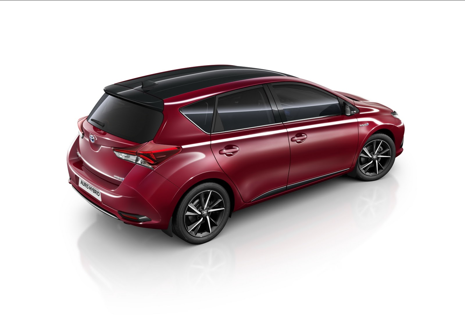 Toyota Gifts The Auris With Bi-Tone Edition - autoevolution