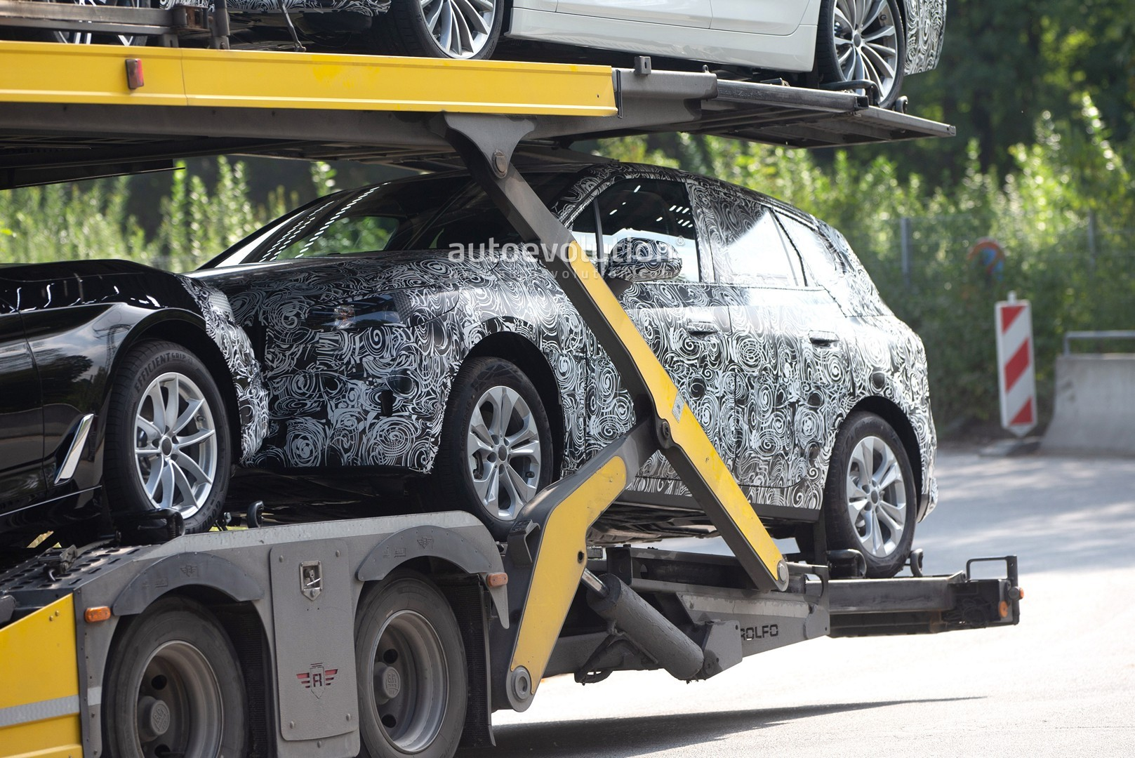 2021 - [BMW] Série 2 Active Tourer II New-bmw-2-series-active-tourer-spied-why-won-t-this-car-die_2