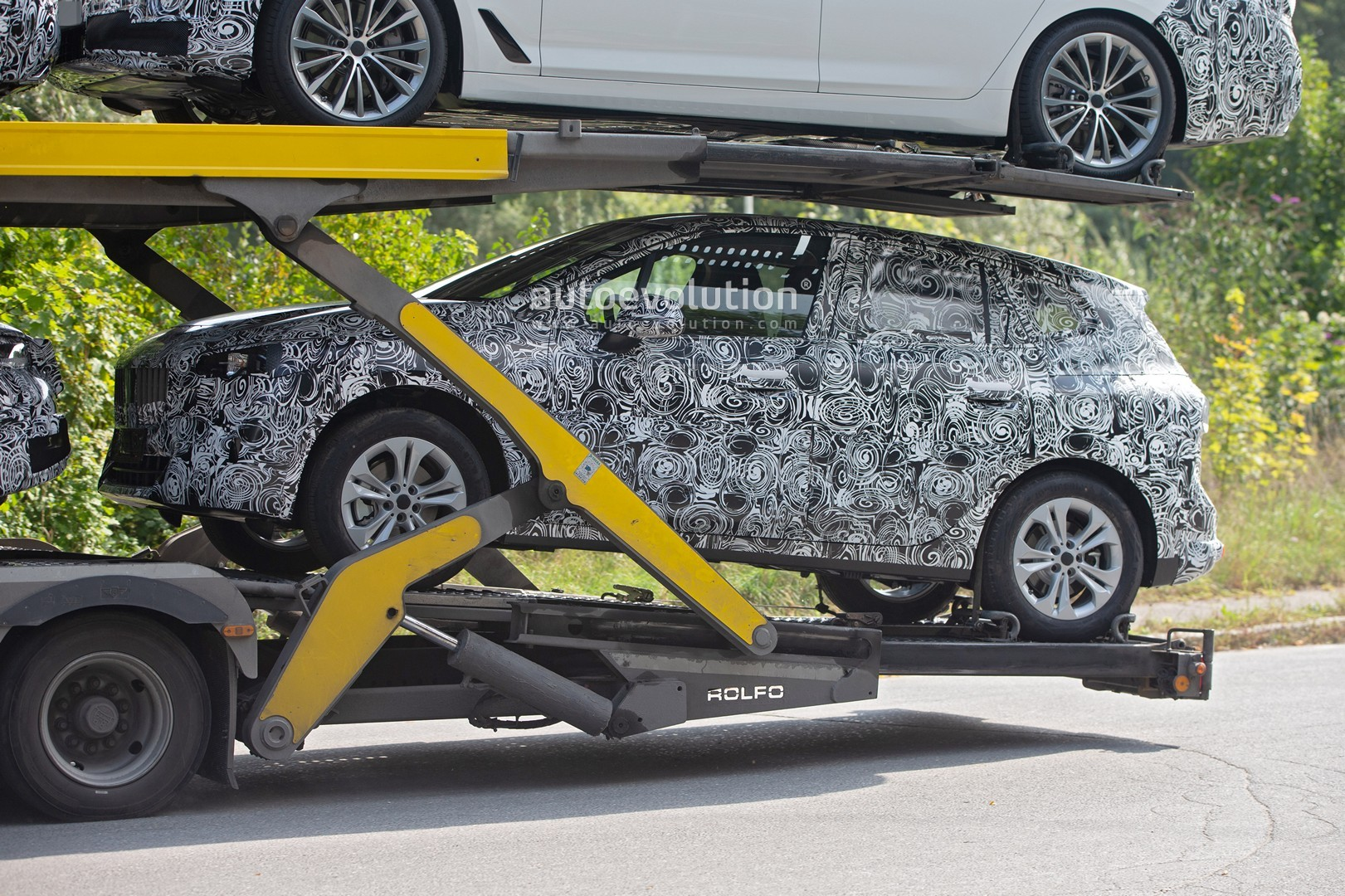 2021 - [BMW] Série 2 Active Tourer II New-bmw-2-series-active-tourer-spied-why-won-t-this-car-die_4