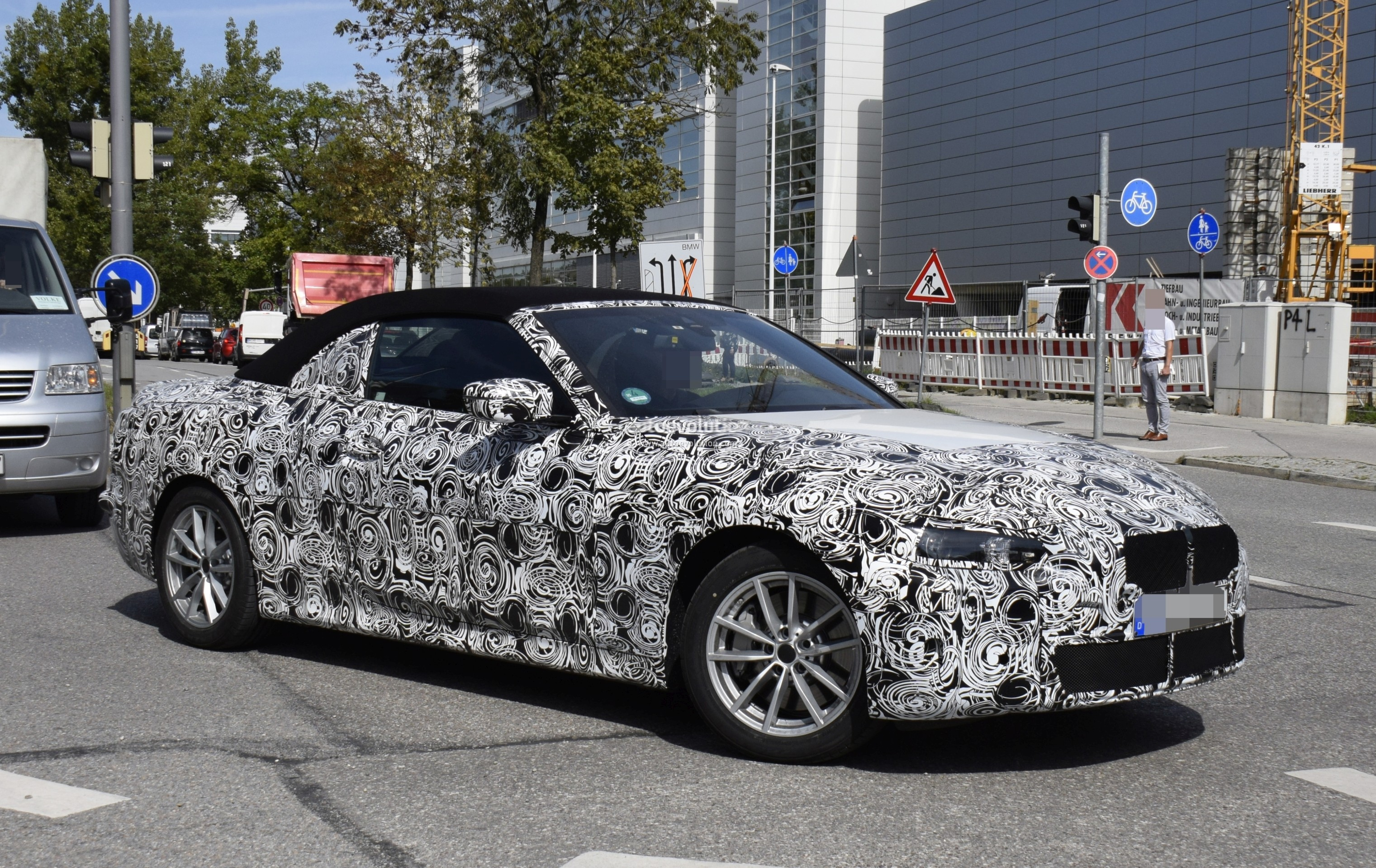 New Bmw 4 Series Convertible Spotted In Traffic Shows