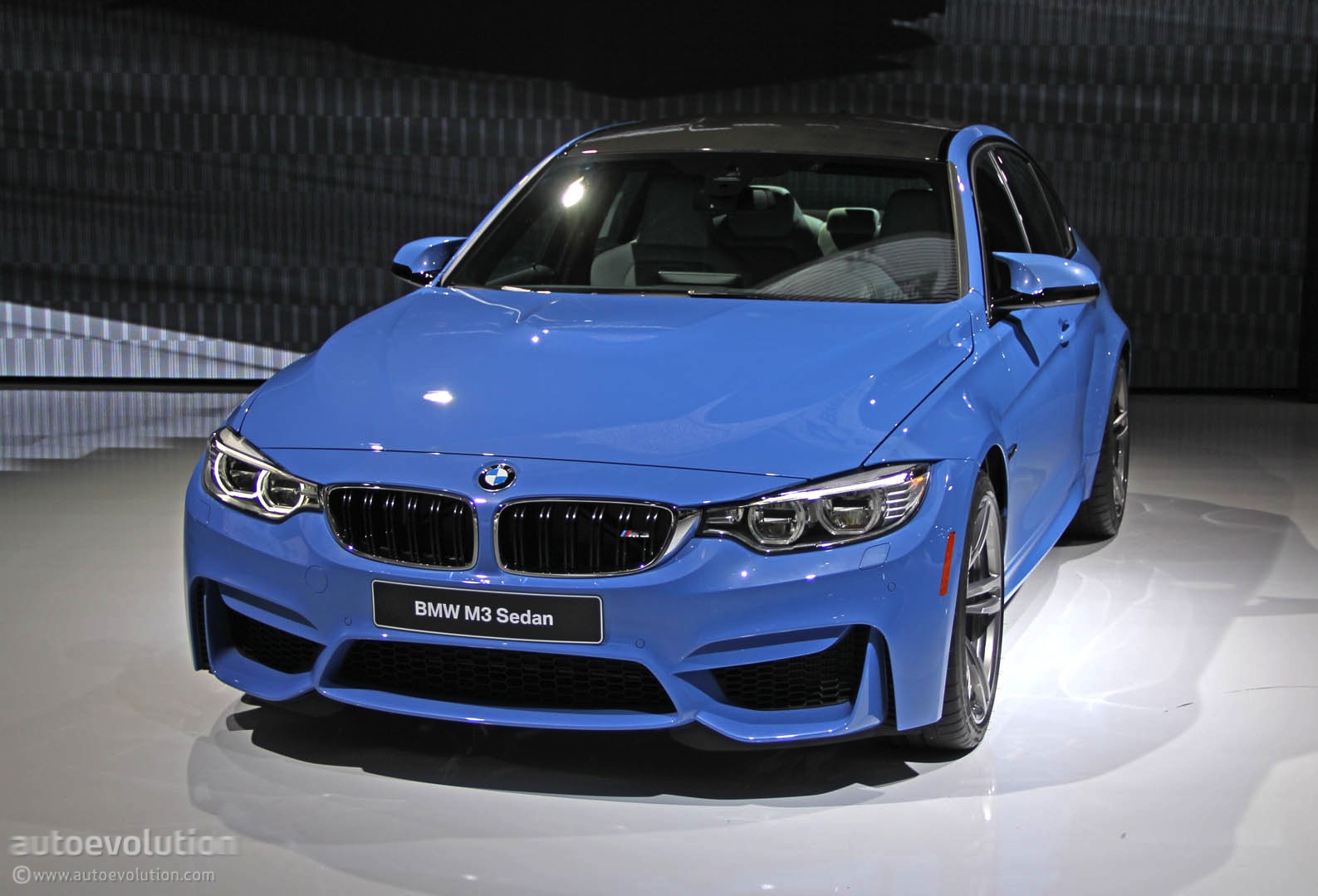 Bmw M4 Coupe >> New BMW M3 Is Blue All Over in Detroit [Live Photos] - autoevolution