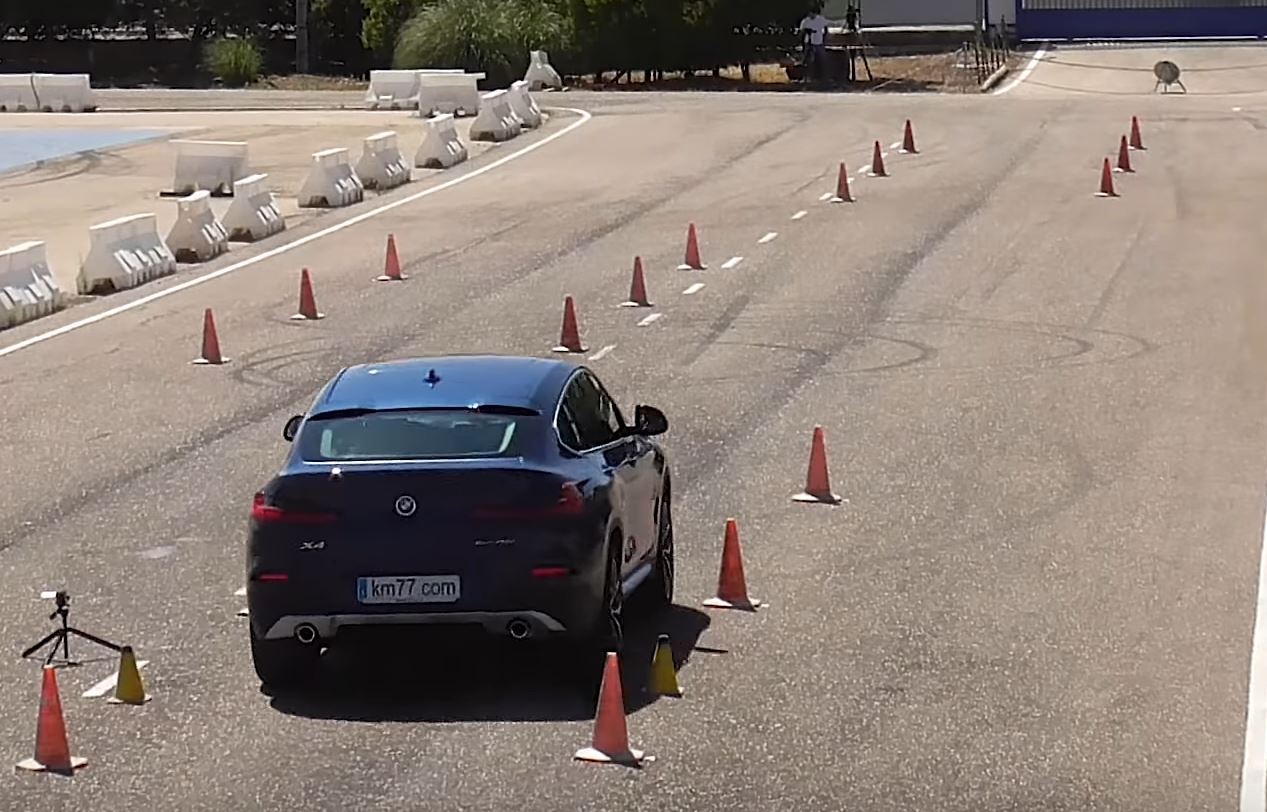 New Bmw X4 Takes Moose Test Doesn T Crash Autoevolution