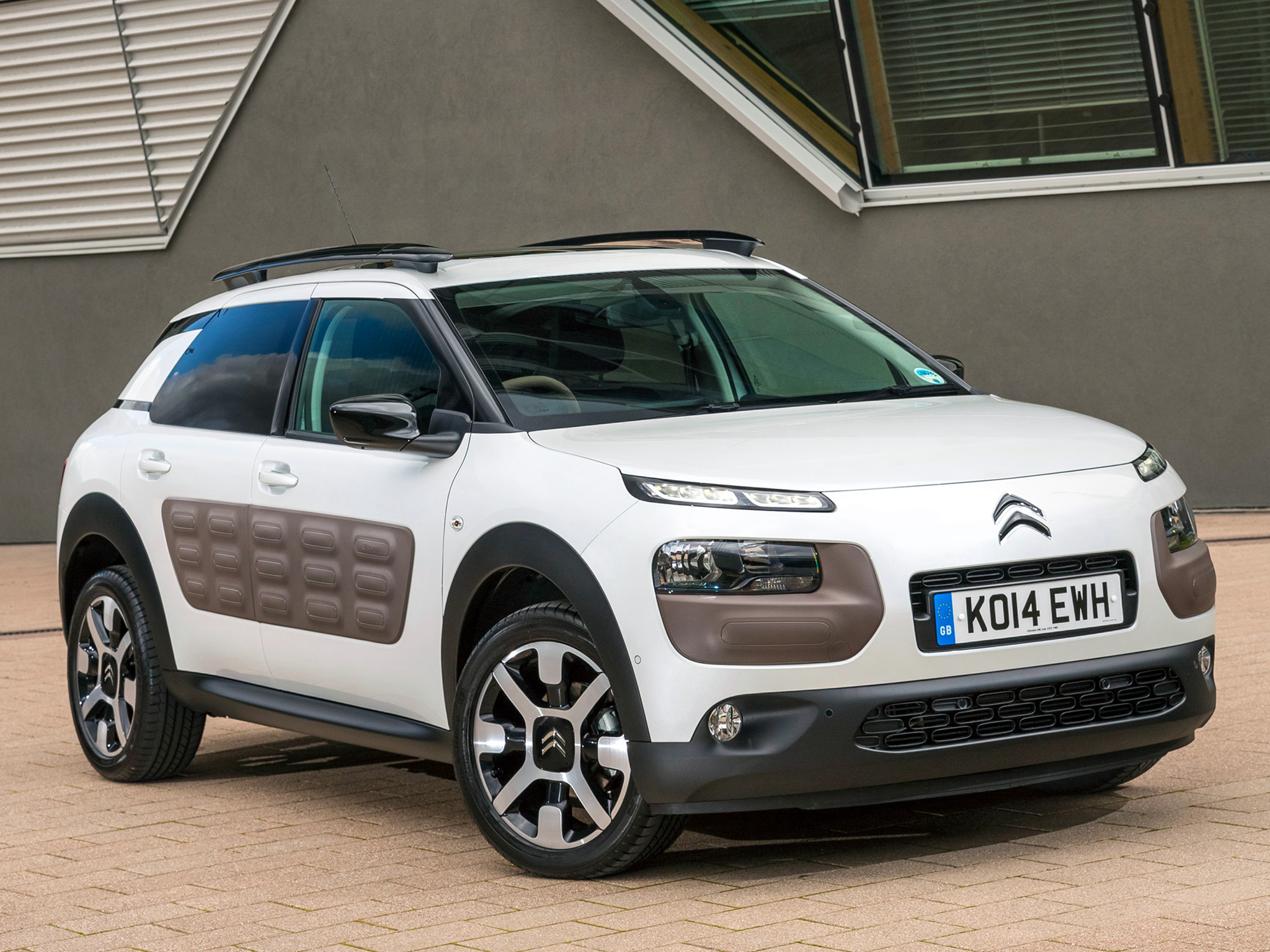 Juke Nissan 2016 >> New Citroen C4 Cactus Launched in Britain: Priced Below Nissan Juke - autoevolution