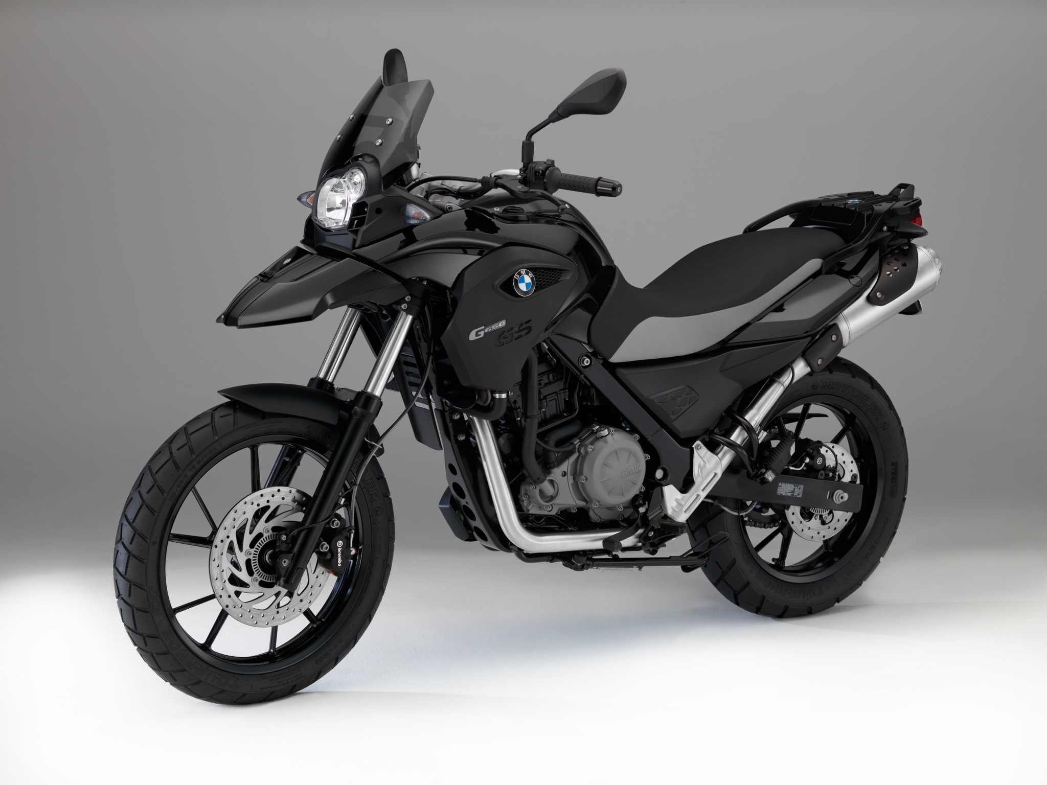 new colors for bmw f800r and g650gs autoevolution. Black Bedroom Furniture Sets. Home Design Ideas