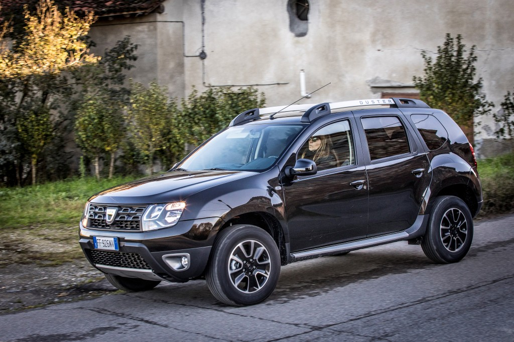 new dacia duster confirmed to go on sale in january 2018. Black Bedroom Furniture Sets. Home Design Ideas