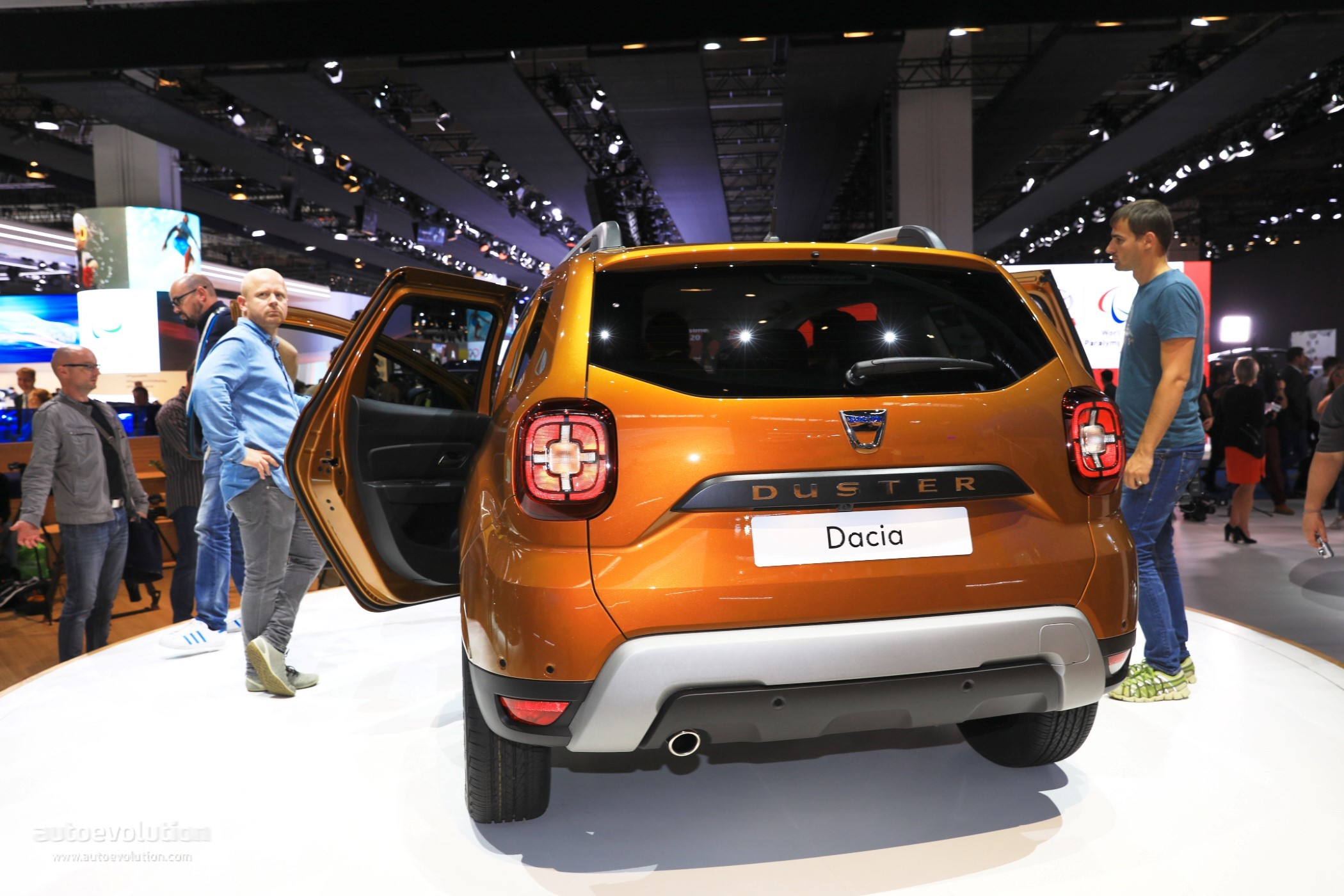2017 dacia duster pickup rendering looks like the small truck you always wanted autoevolution. Black Bedroom Furniture Sets. Home Design Ideas