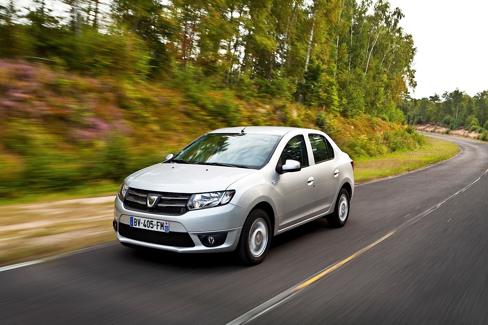 new dacia logan and sandero photos become official autoevolution. Black Bedroom Furniture Sets. Home Design Ideas