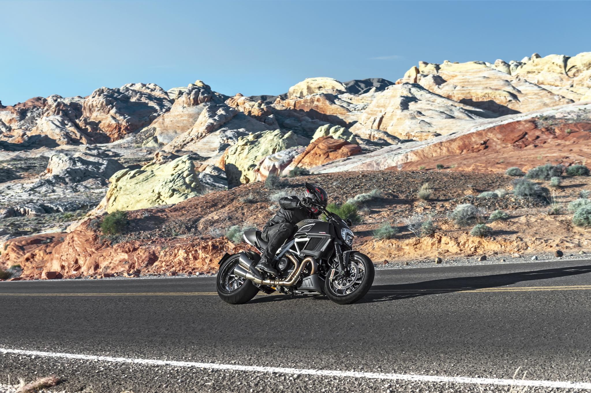 Мотоцикл Ducati море  № 3435382 без смс