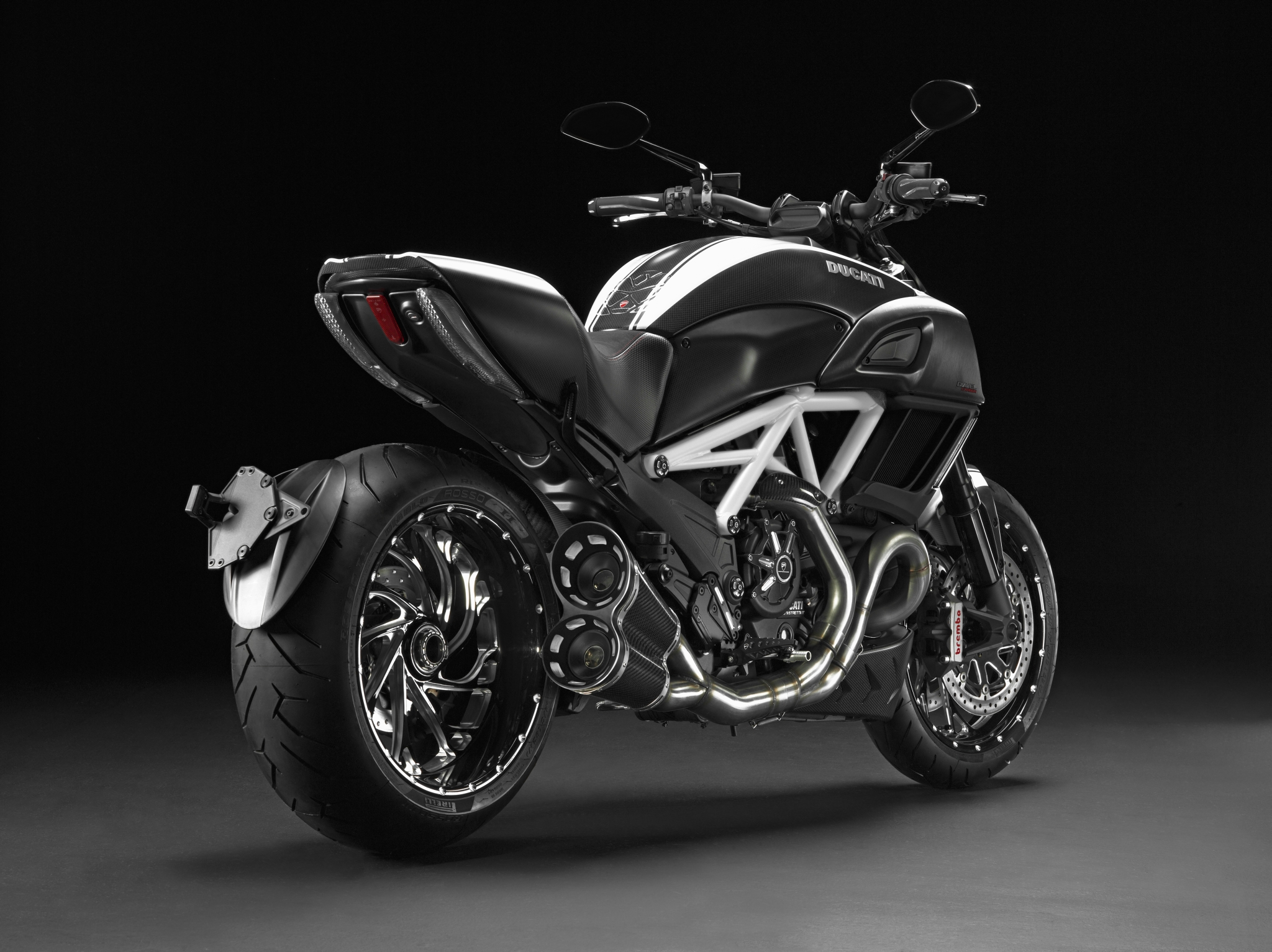New Ducati Diavel Carbon Xxx Autoevolution