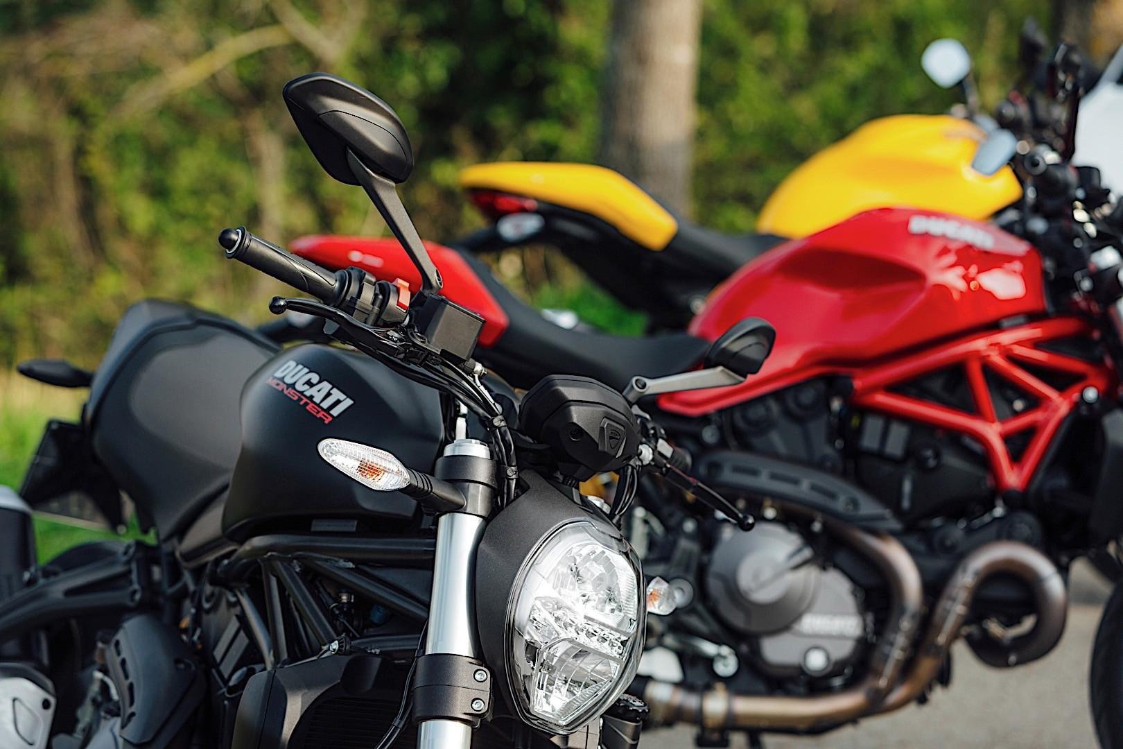 Ducati Monster 821 2018 - Dark Stealth ⋆ Motorcycles R Us