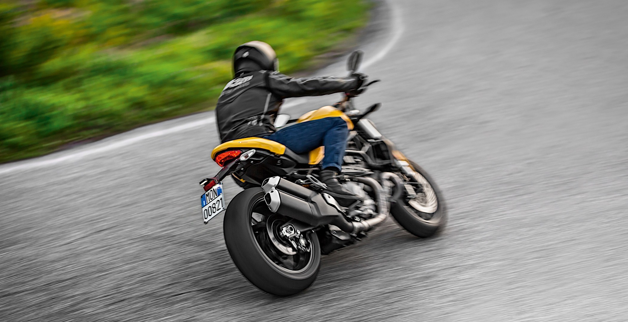 Ducati Monster 821 Goes Old-School For 2018 - autoevolution