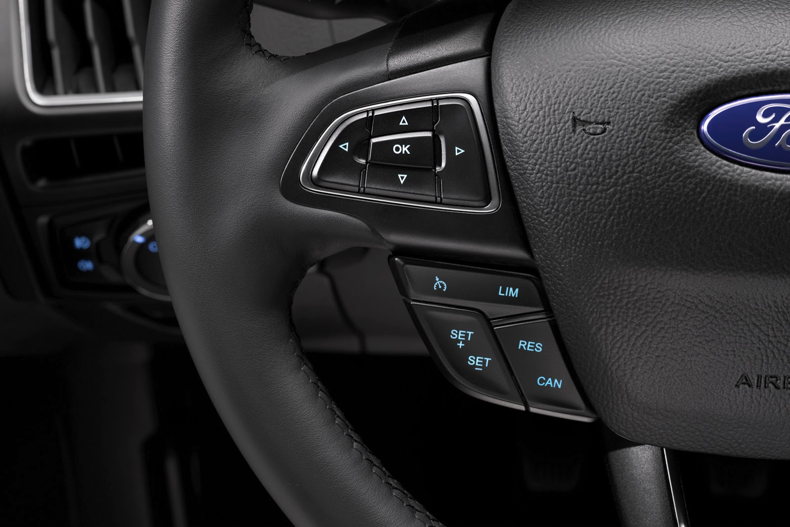 New Ford Focus Gets A Sharper Grille And Quot Cockpit Like