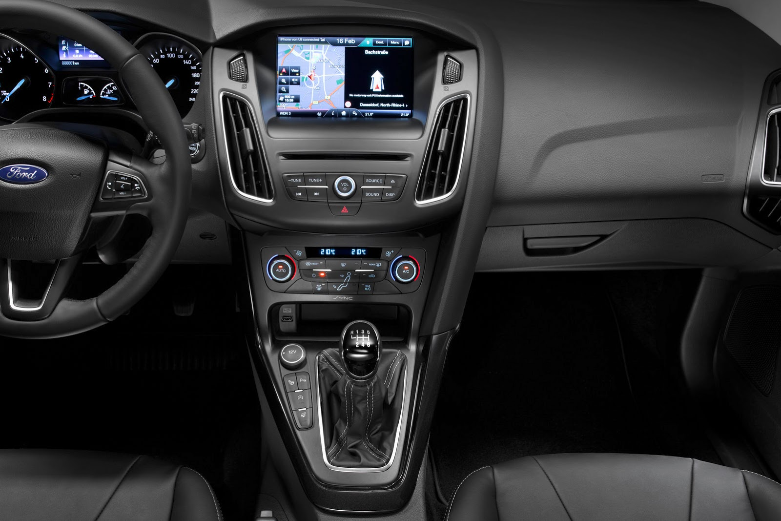 New Ford Focus Gets A Sharper Grille And Cockpit Like Interior