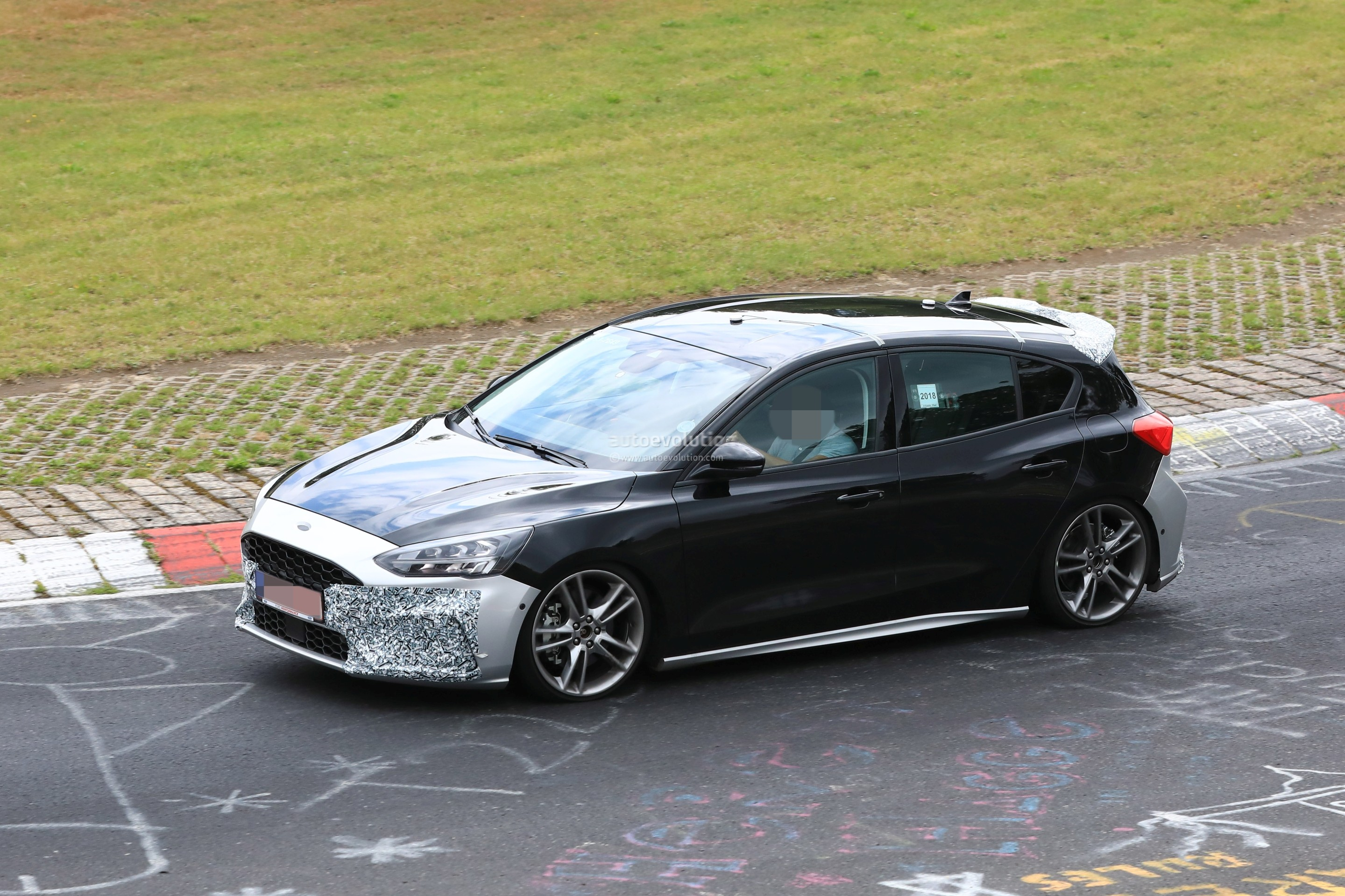 2018 - [Ford] Focus IV - Page 13 New-ford-focus-st-hits-nurburgring-will-offer-20l-turbo-and-automatic_4