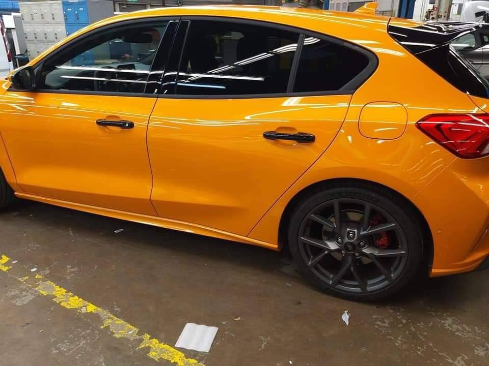 2020 Ford Focus St Leaked In Full Probably Has 290 Hp Autoevolution