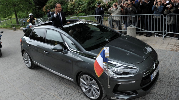 photo of François Hollande Citroen DS5 - car