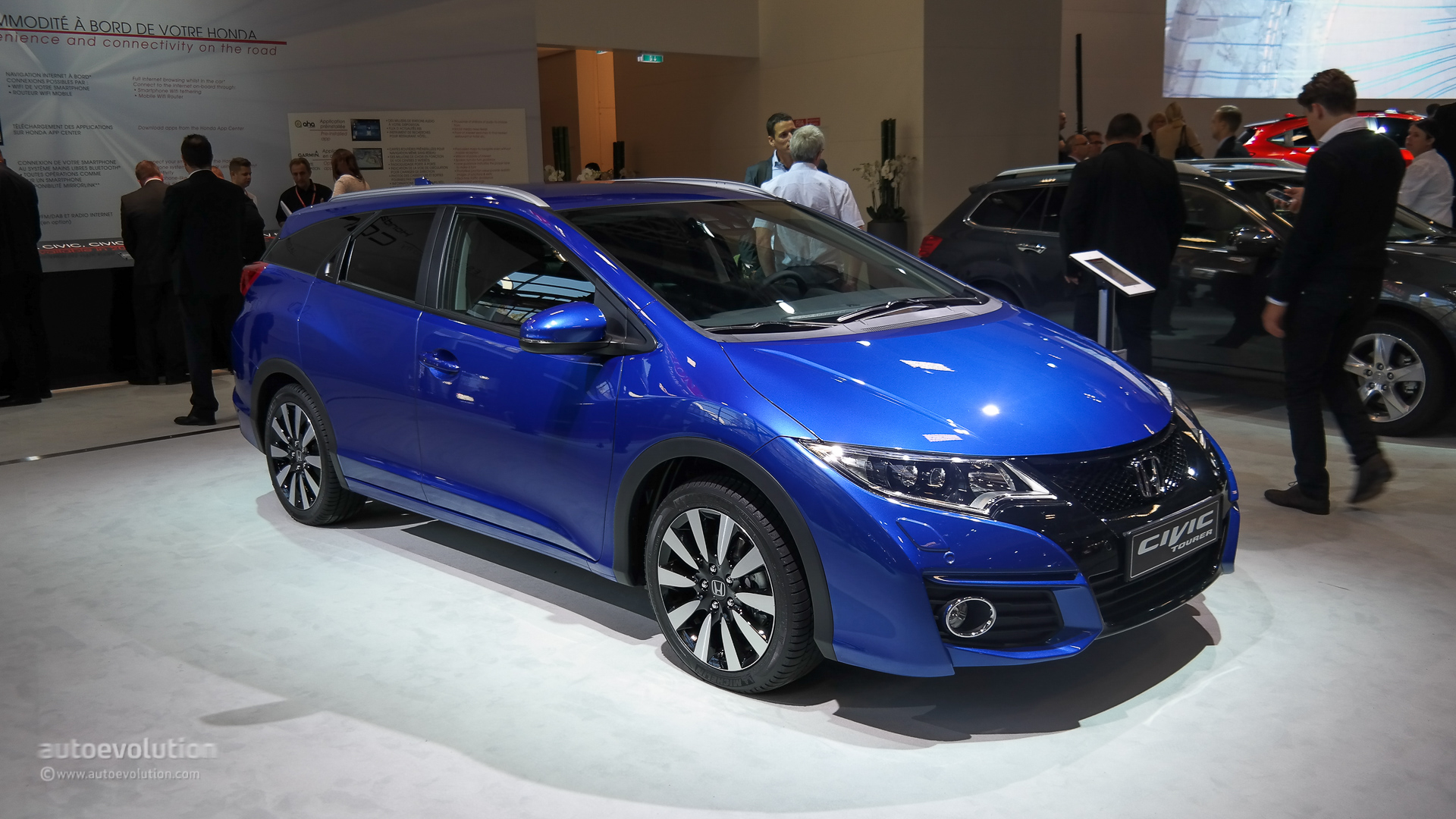 new honda civic tourer and sport guises unveiled in full at paris live photos autoevolution. Black Bedroom Furniture Sets. Home Design Ideas