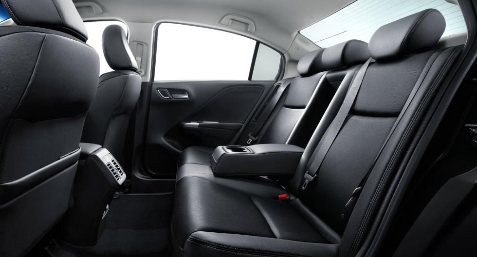 New Honda Grace Hybrid Sedan Launched In Japan Likely