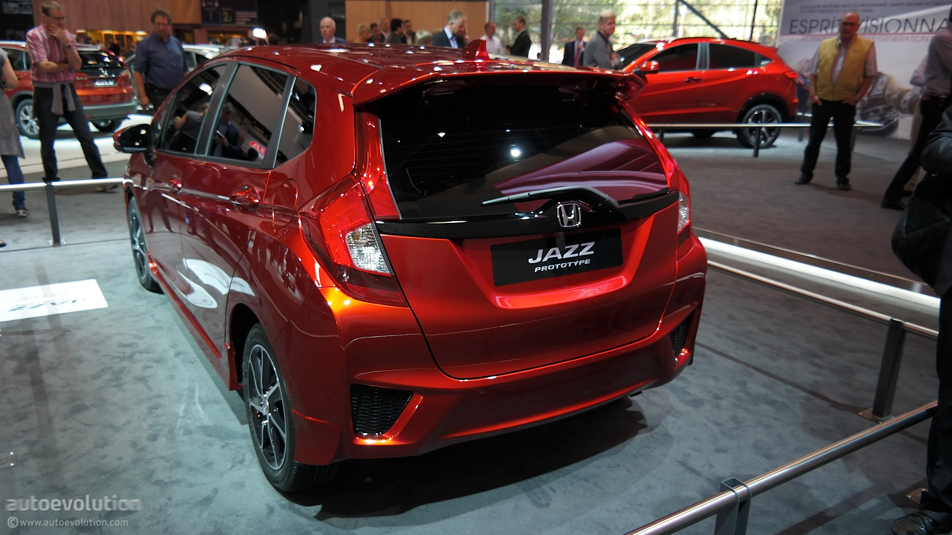 new honda jazz debuts at paris motor show 2014 live photos autoevolution. Black Bedroom Furniture Sets. Home Design Ideas