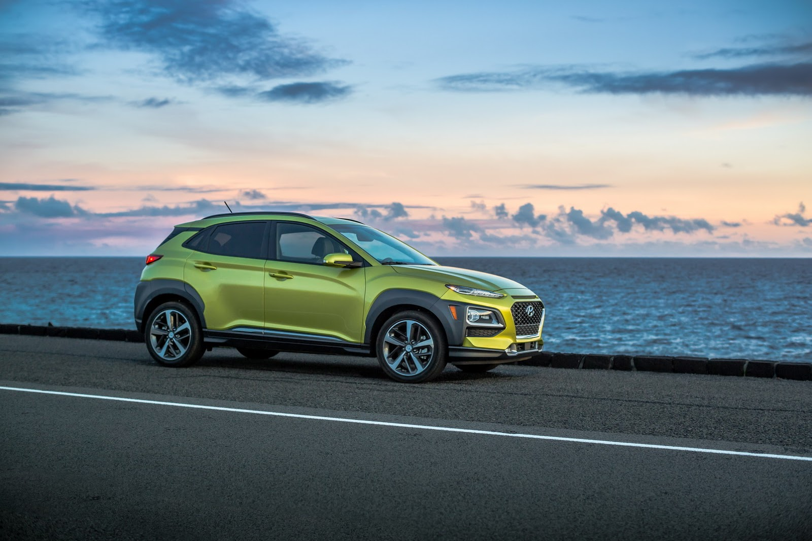 New Hyundai Kona Shows Other SUVs How It's Done At 2017 L ...