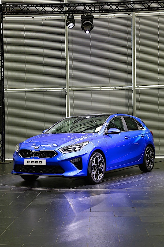 new kia ceed version to debut this fall could be gt branded shooting brake autoevolution. Black Bedroom Furniture Sets. Home Design Ideas